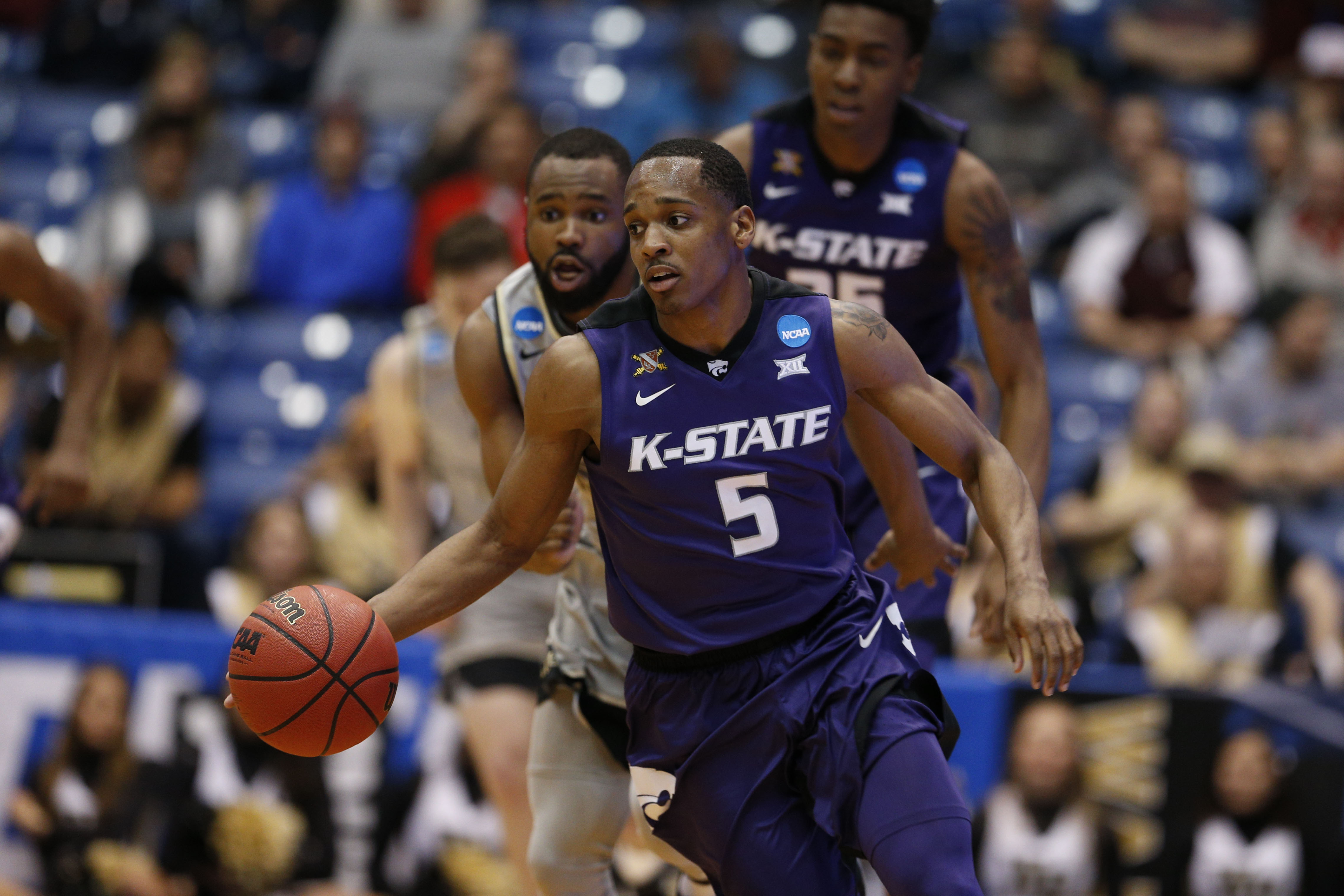March Madness: Cincinnati advances after defeating Kansas State