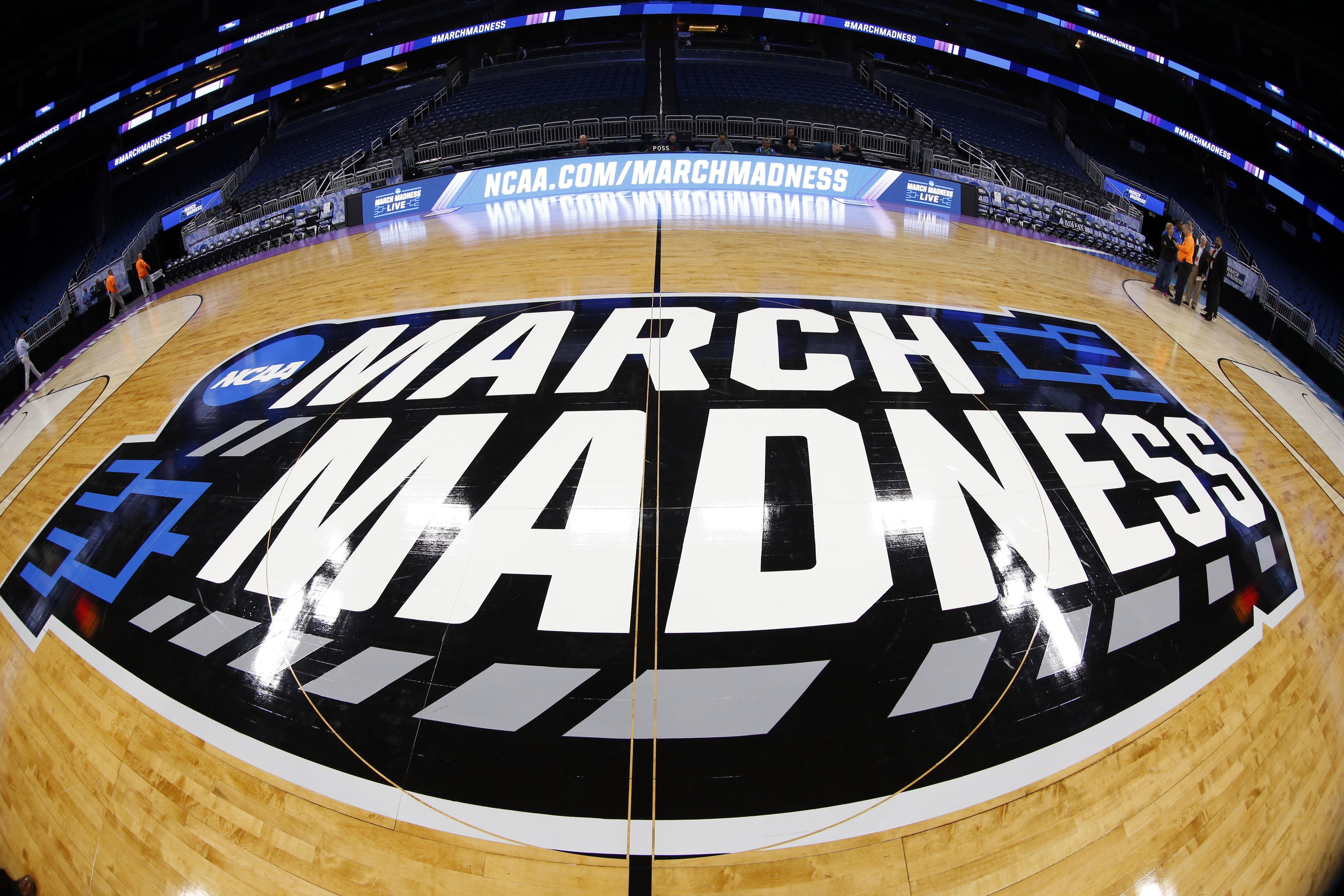 9943404-ncaa-basketball-ncaa-tournament-orlando-practice-1
