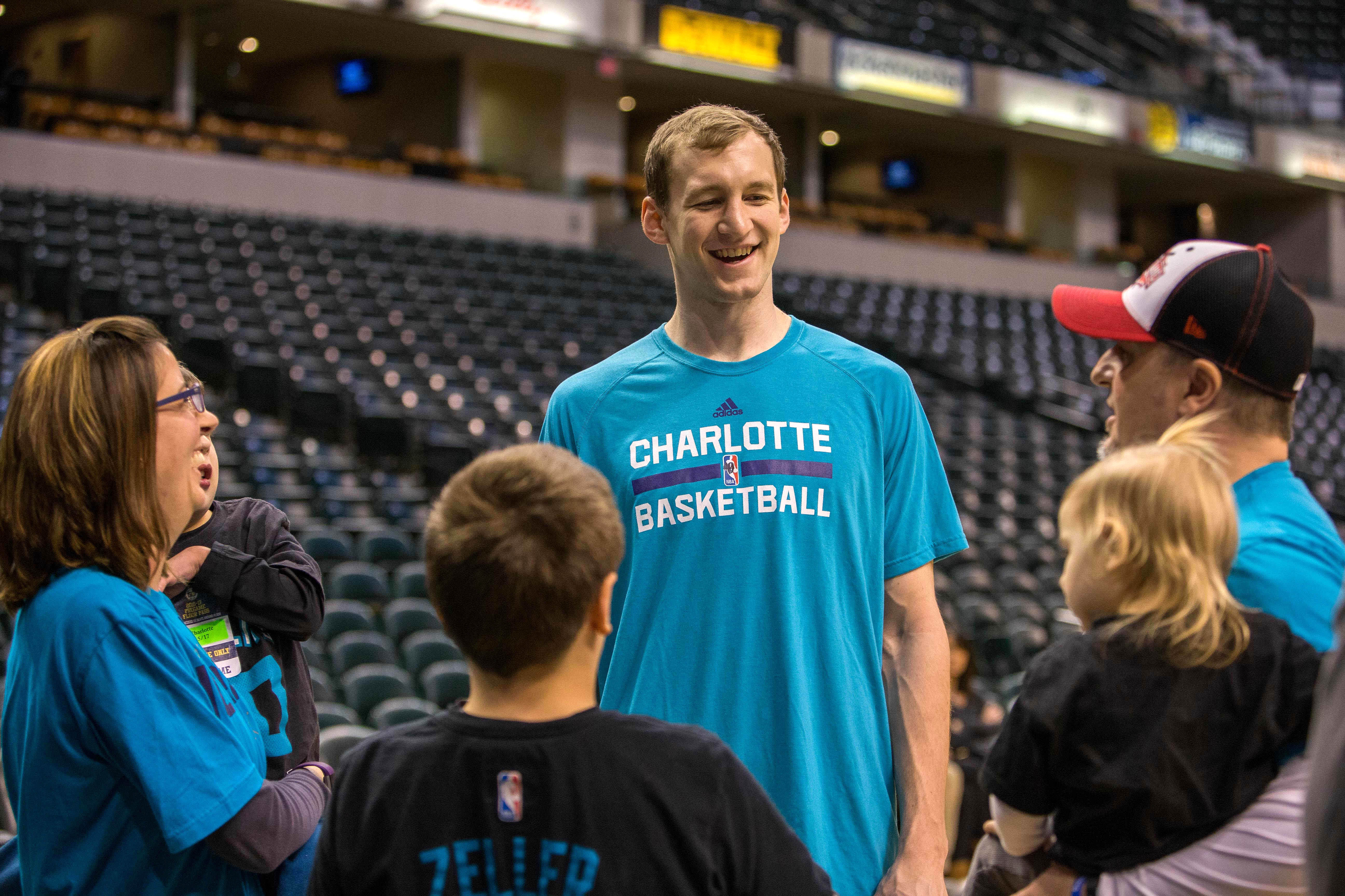 9945074-nba-charlotte-hornets-at-indiana-pacers