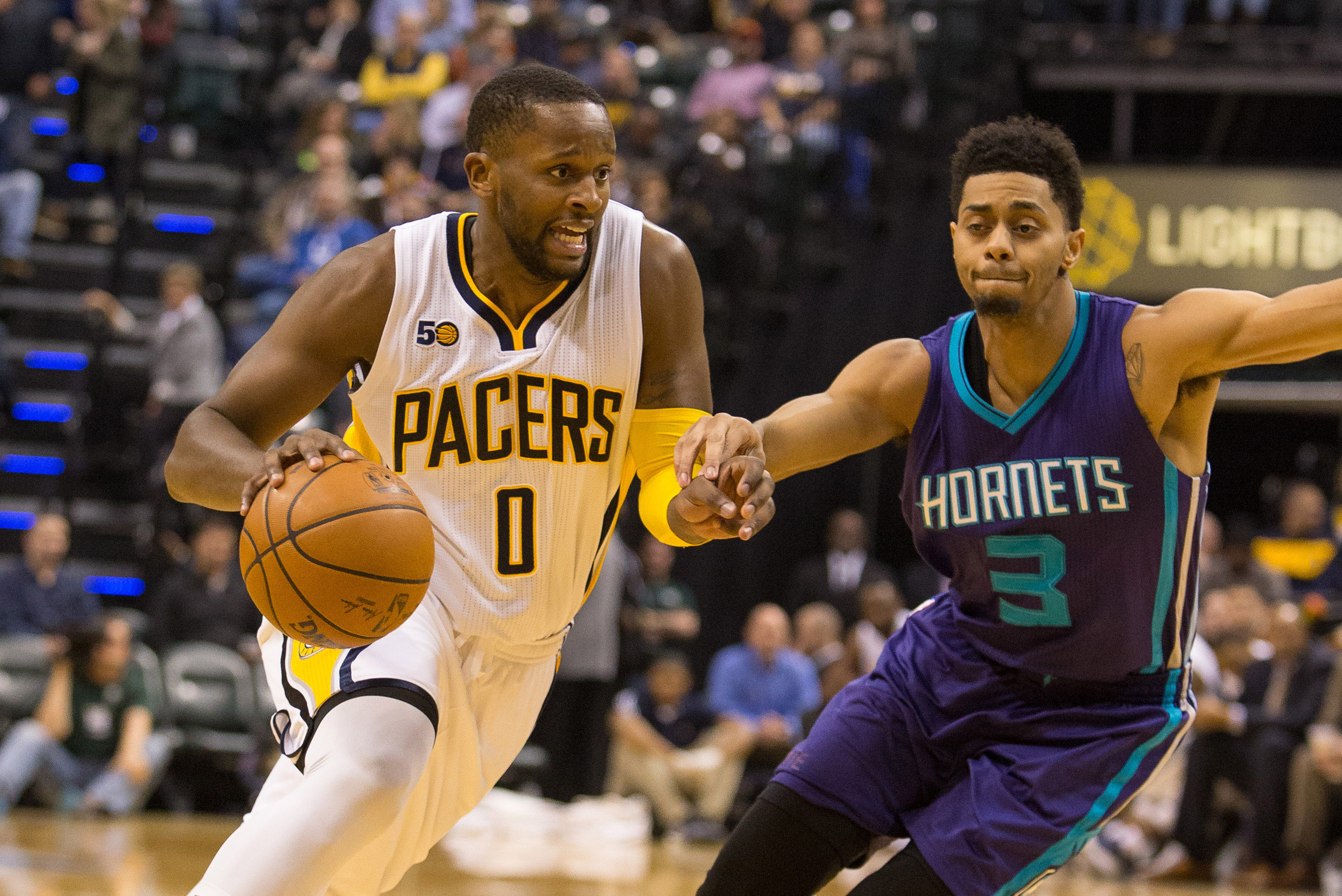 9945683-nba-charlotte-hornets-at-indiana-pacers