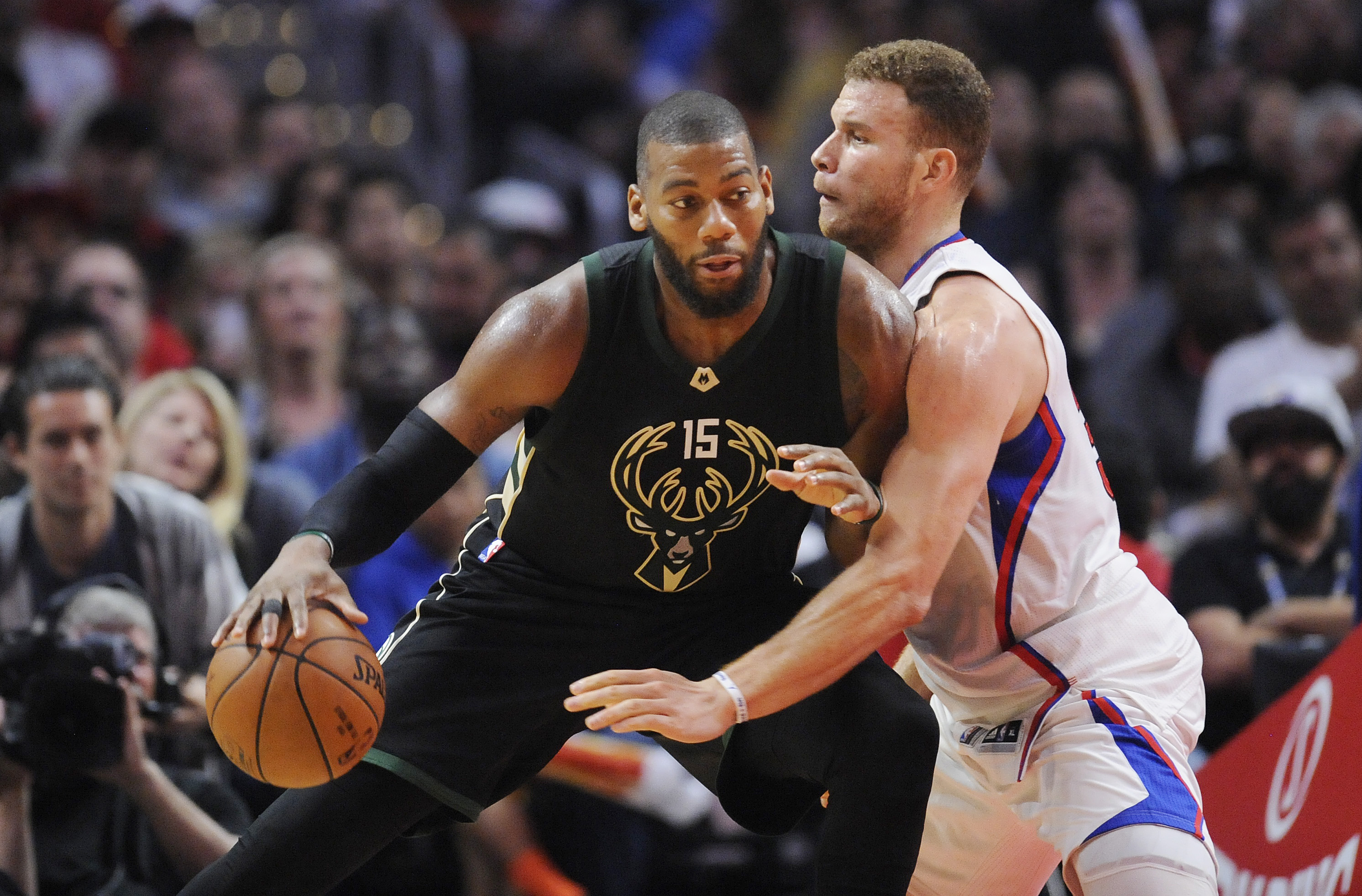 9946148-nba-milwaukee-bucks-at-los-angeles-clippers