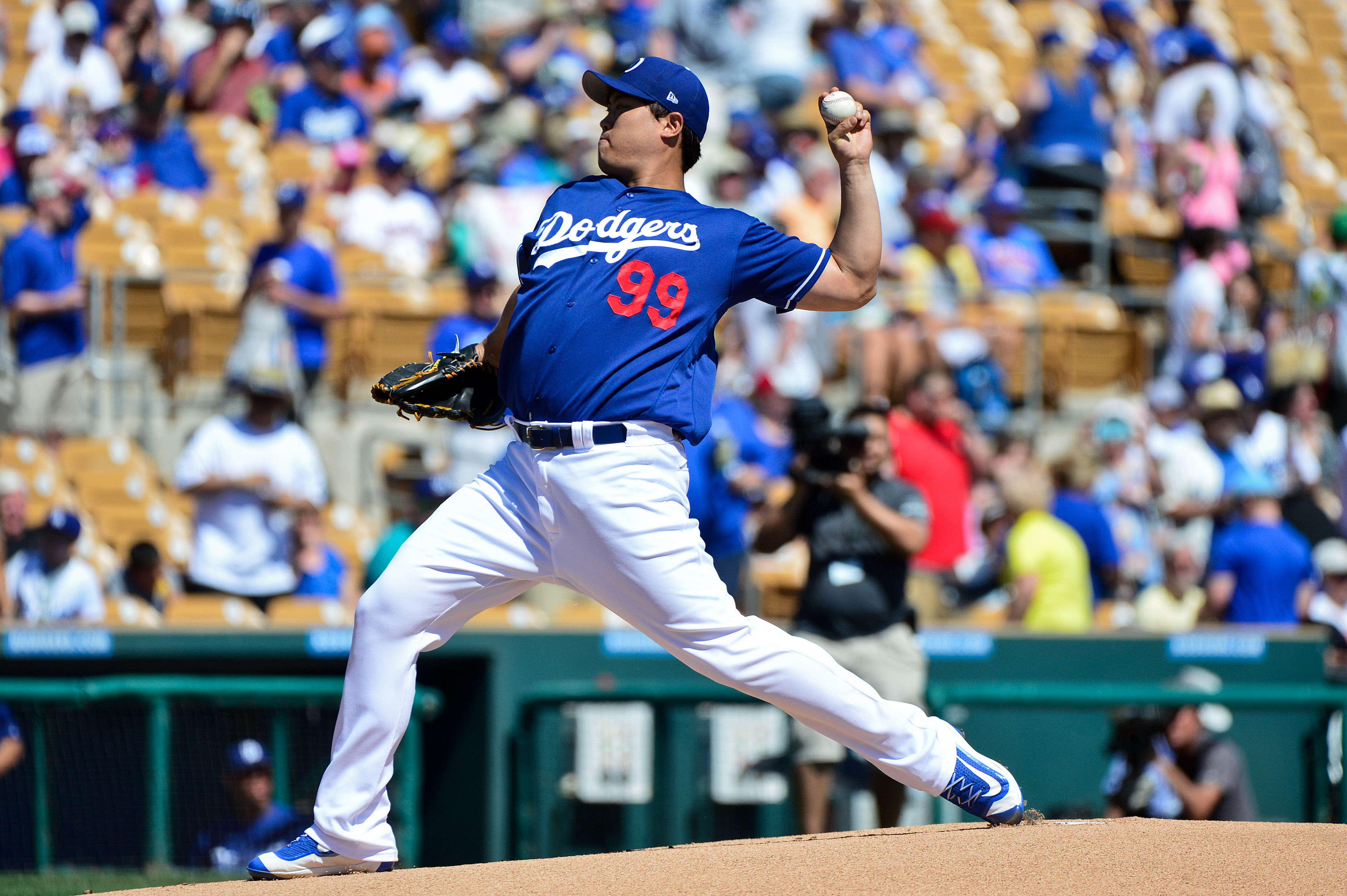 9947555-mlb-spring-training-chicago-cubs-at-los-angeles-dodgers