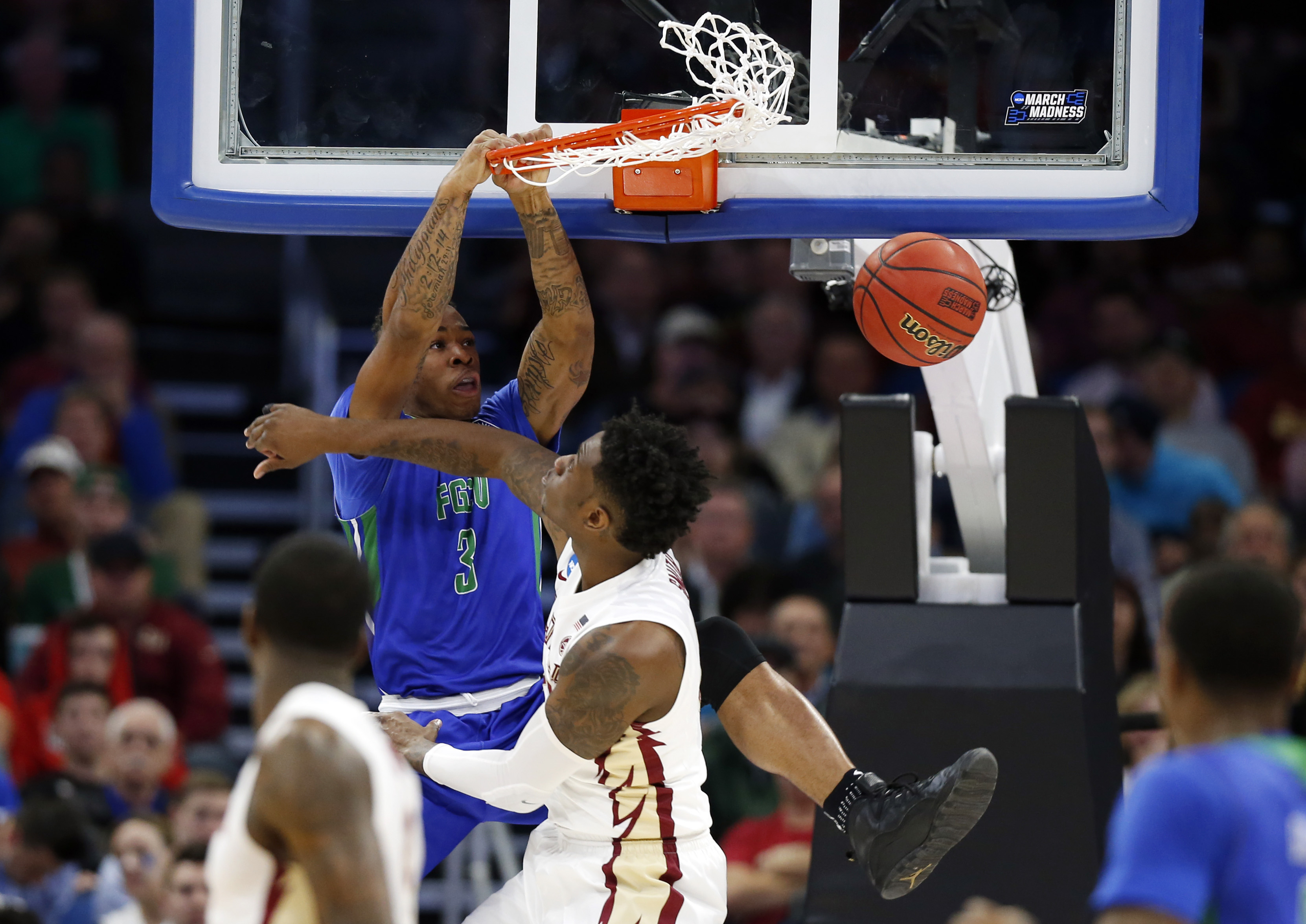 9948565-ncaa-basketball-ncaa-tournament-first-round-florida-state-vs-florida-gulf-coast