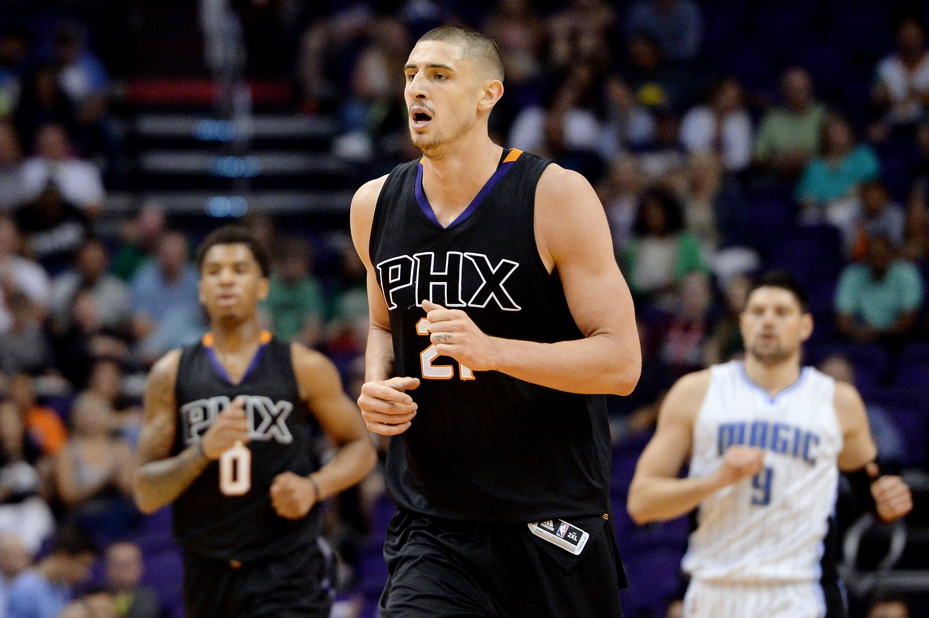 9951880-nba-orlando-magic-at-phoenix-suns