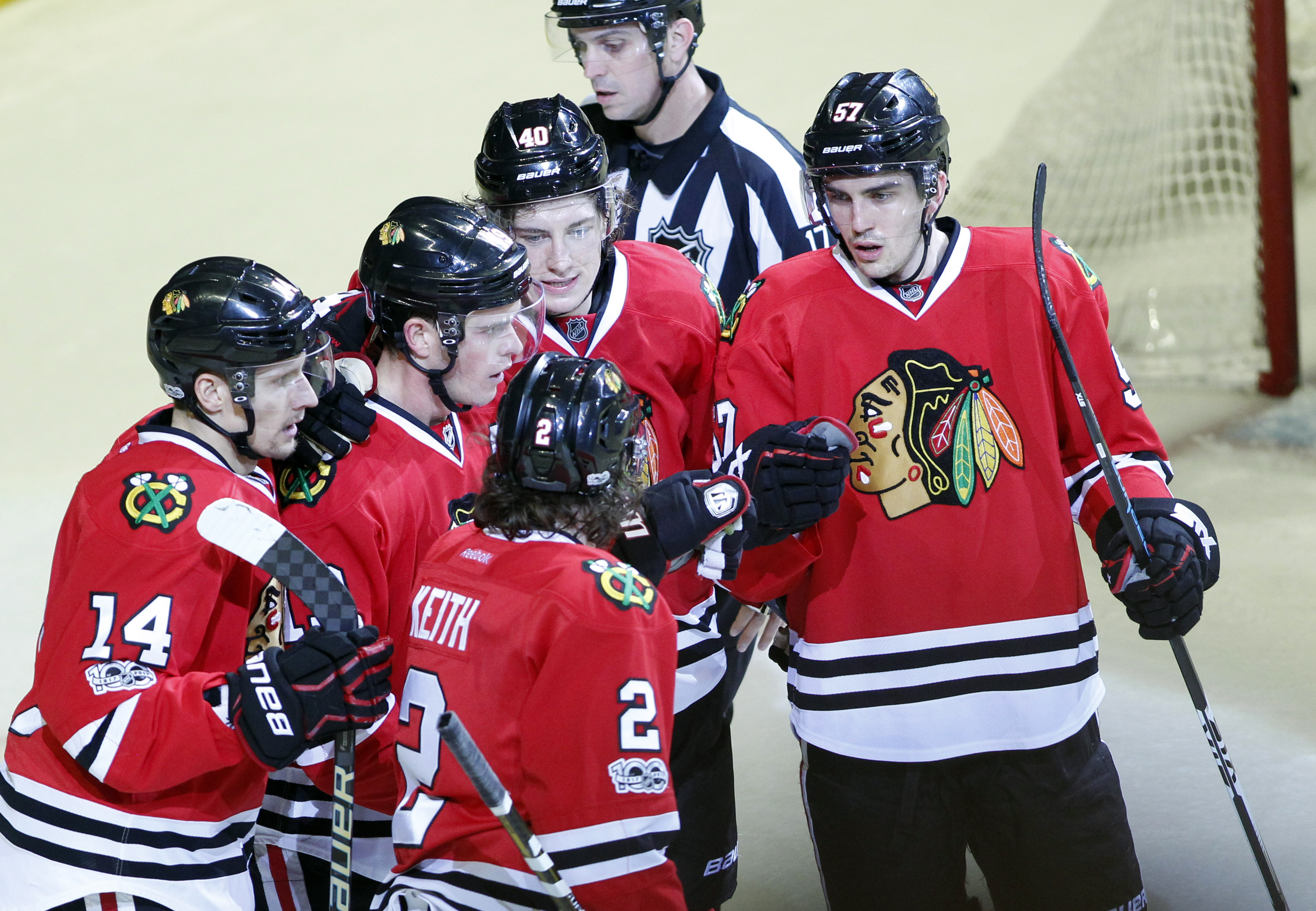9959154-nhl-colorado-avalanche-at-chicago-blackhawks
