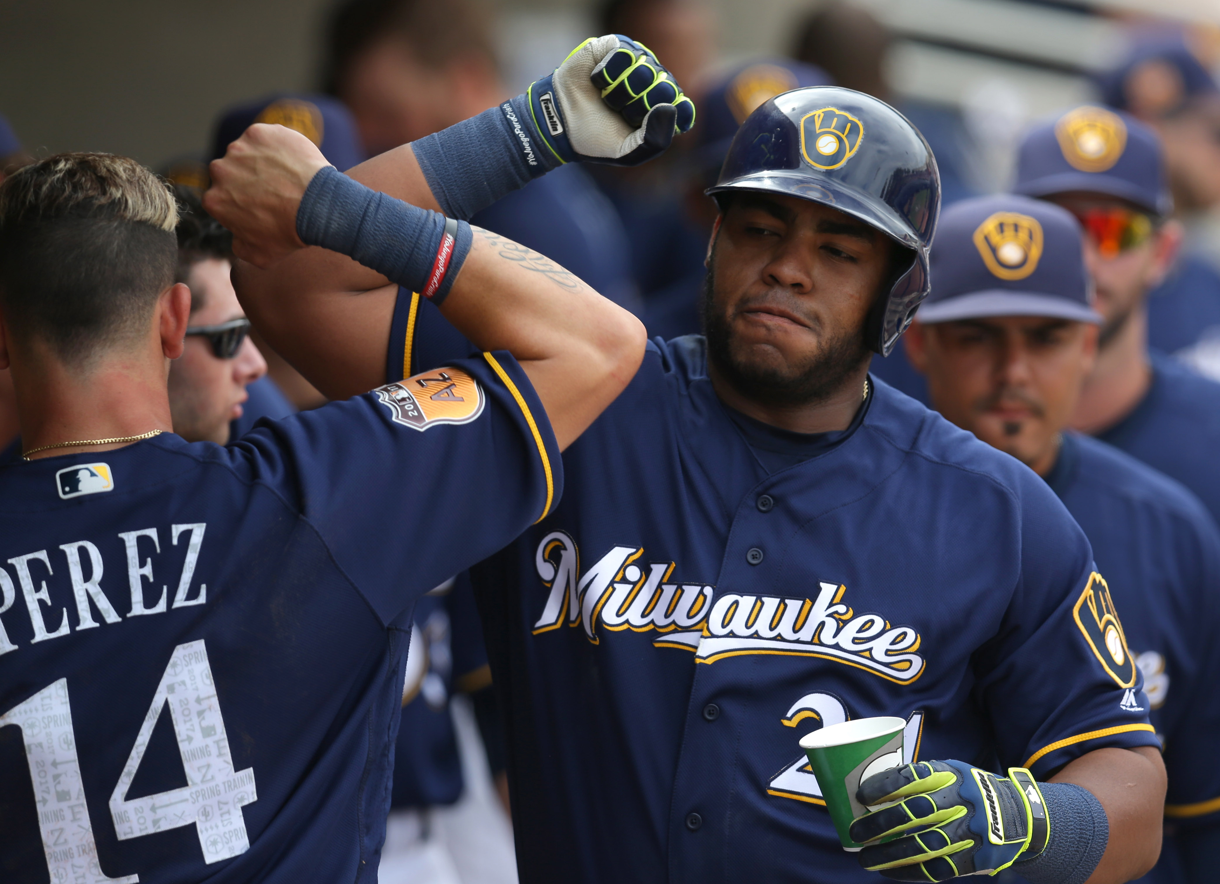 9964948-mlb-spring-training-san-francisco-giants-at-milwaukee-brewers