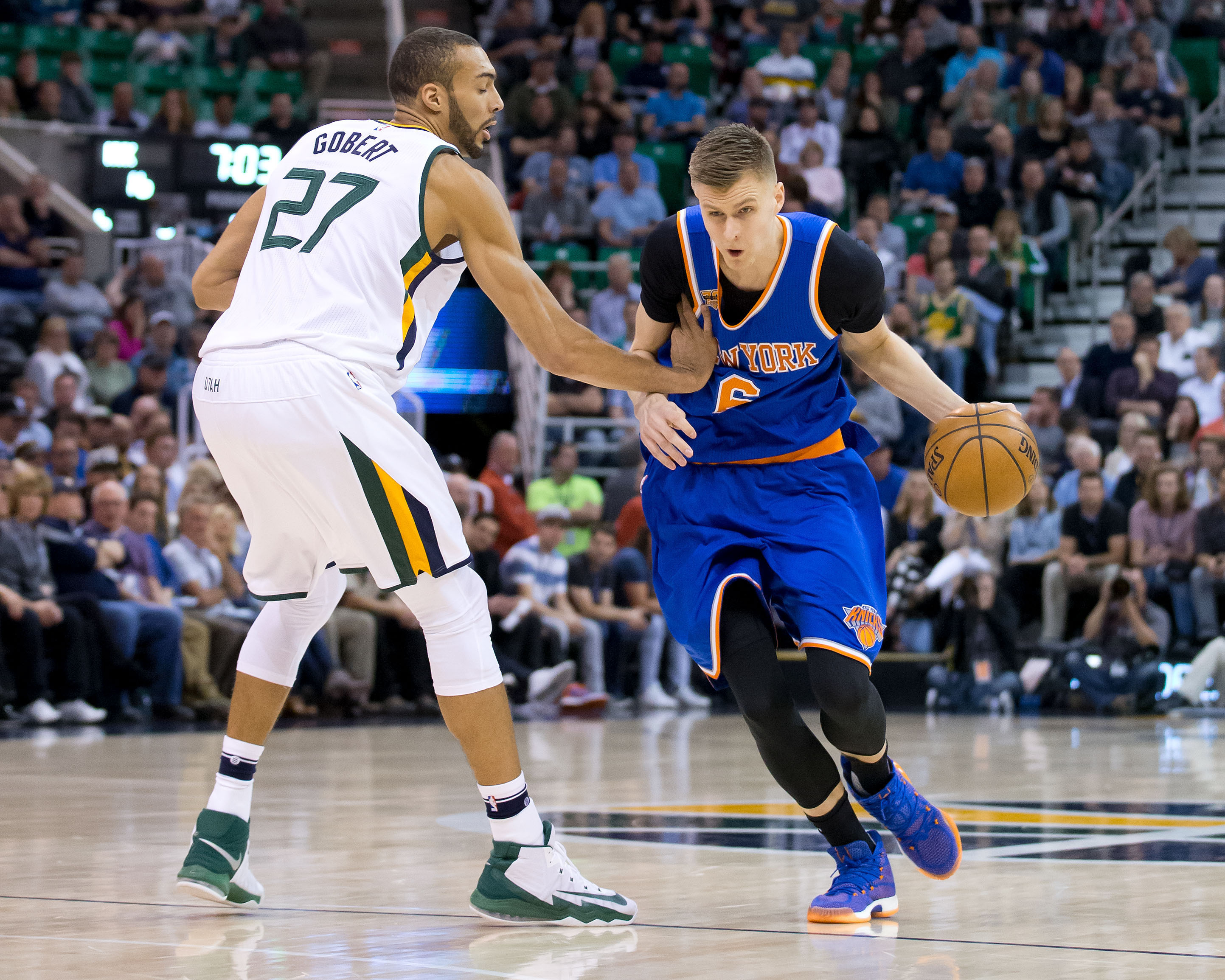 9965408-nba-new-york-knicks-at-utah-jazz