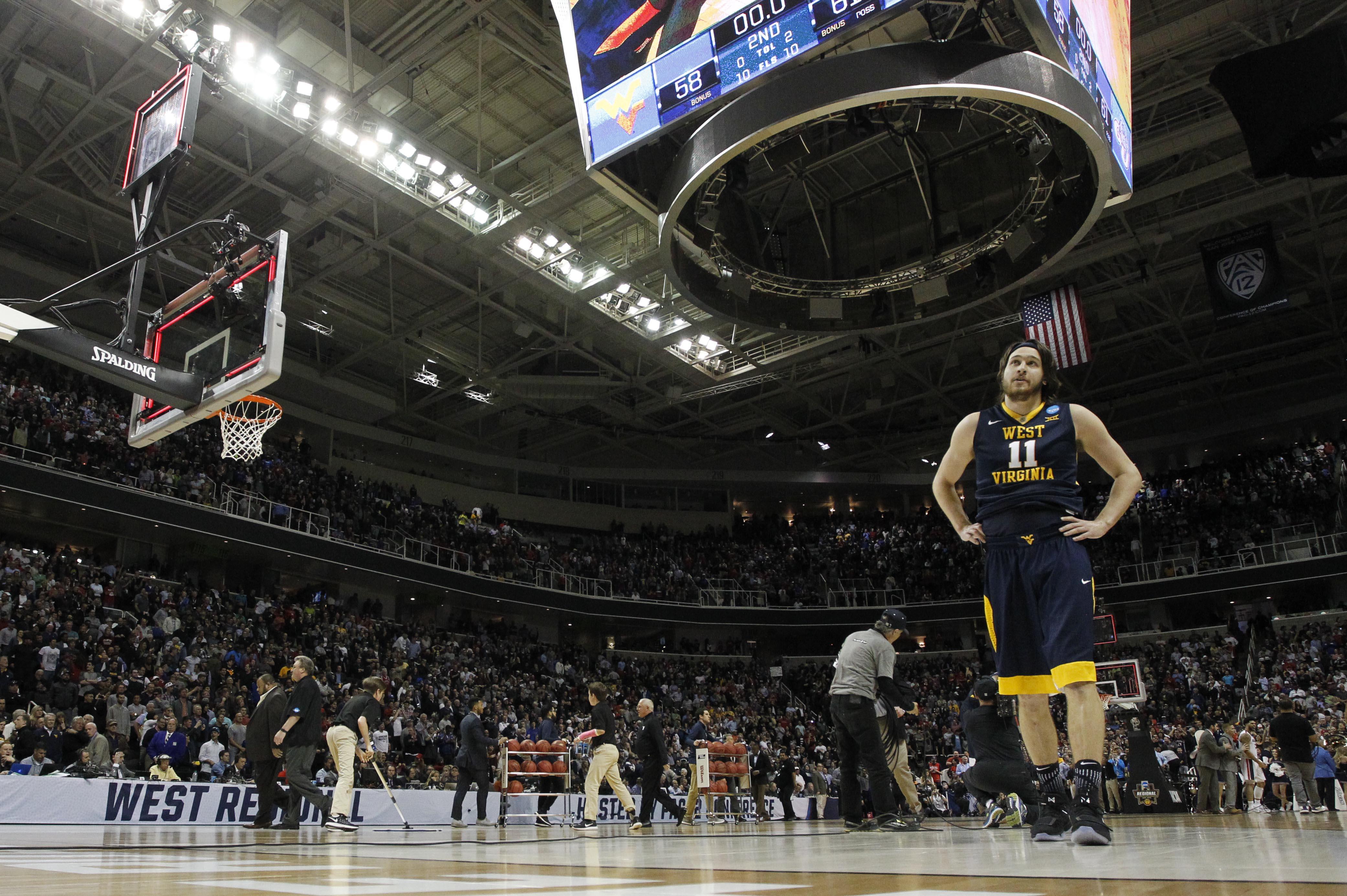 9966970-ncaa-basketball-ncaa-tournament-west-regional-gonzaga-vs-west-virginia