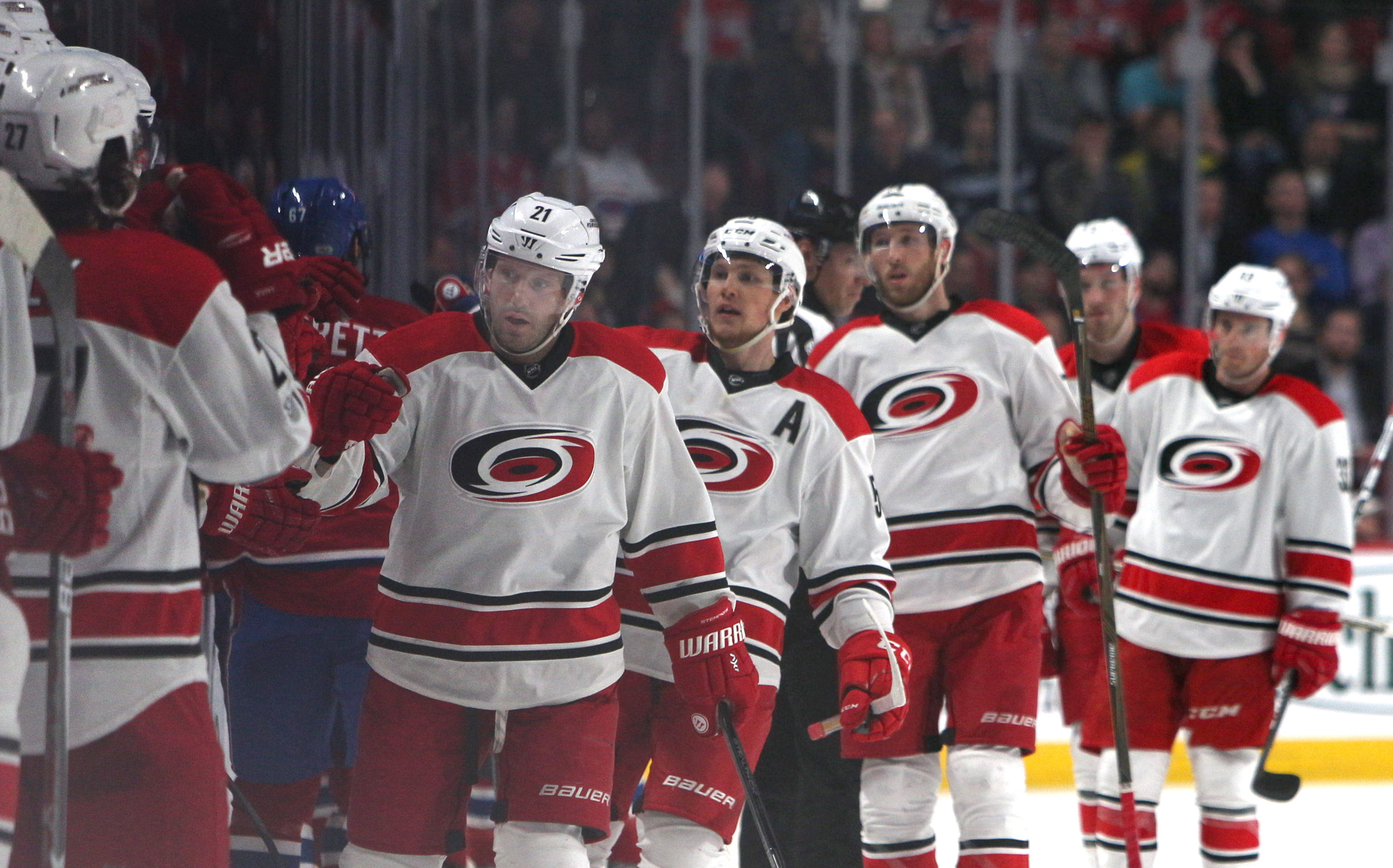 9967050-nhl-carolina-hurricanes-at-montreal-canadiens
