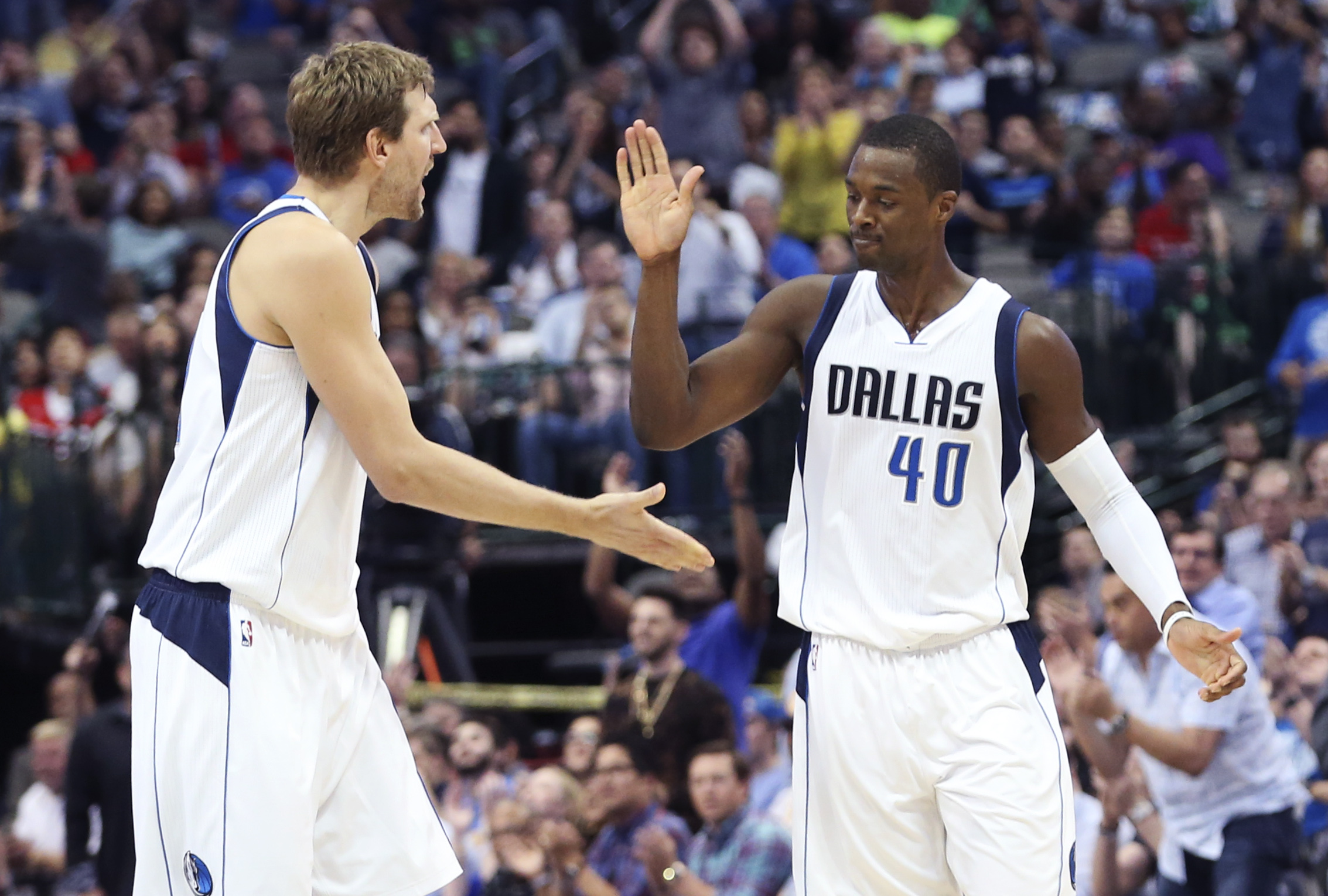 9967336-nba-los-angeles-clippers-at-dallas-mavericks