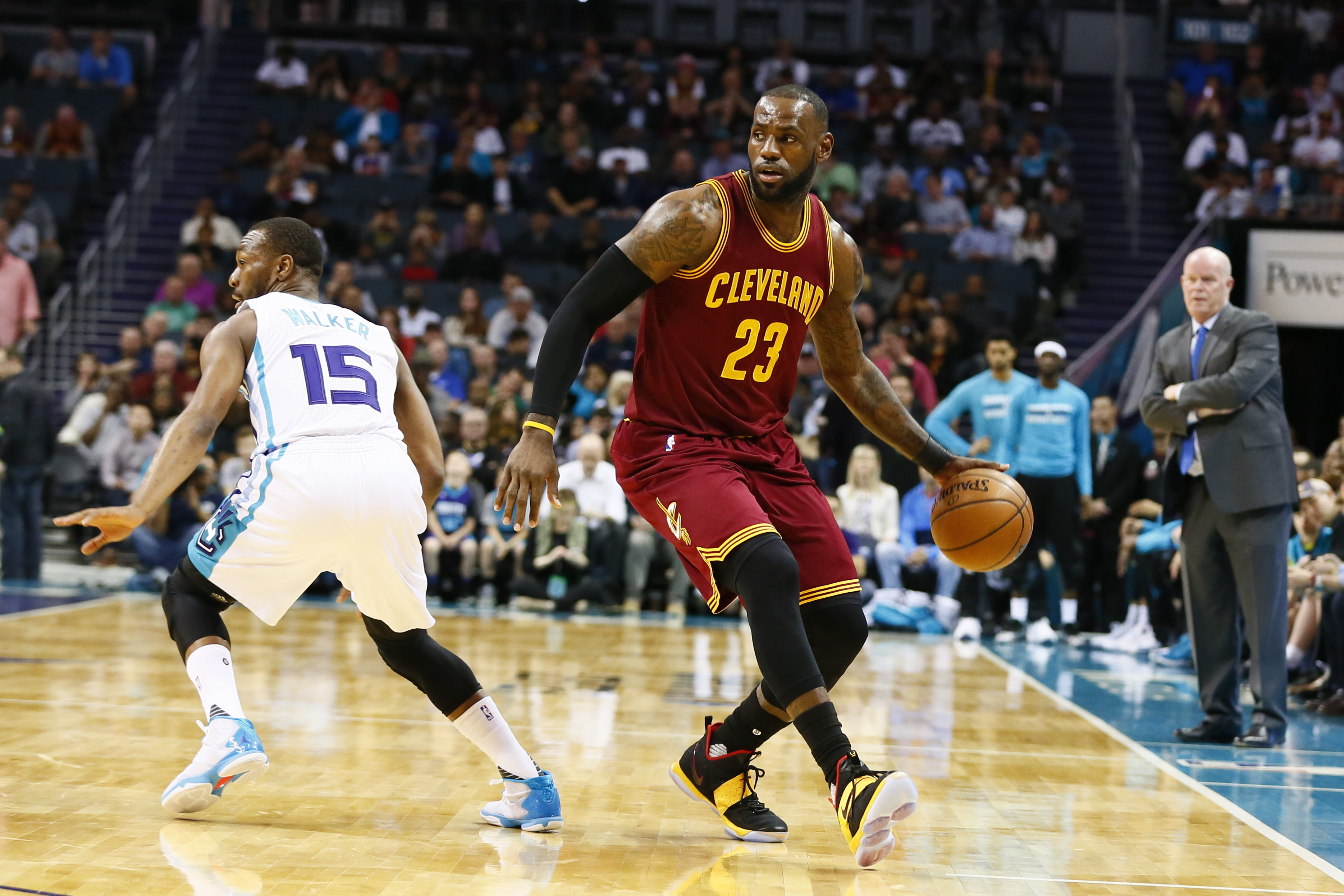9967963-nba-cleveland-cavaliers-at-charlotte-hornets