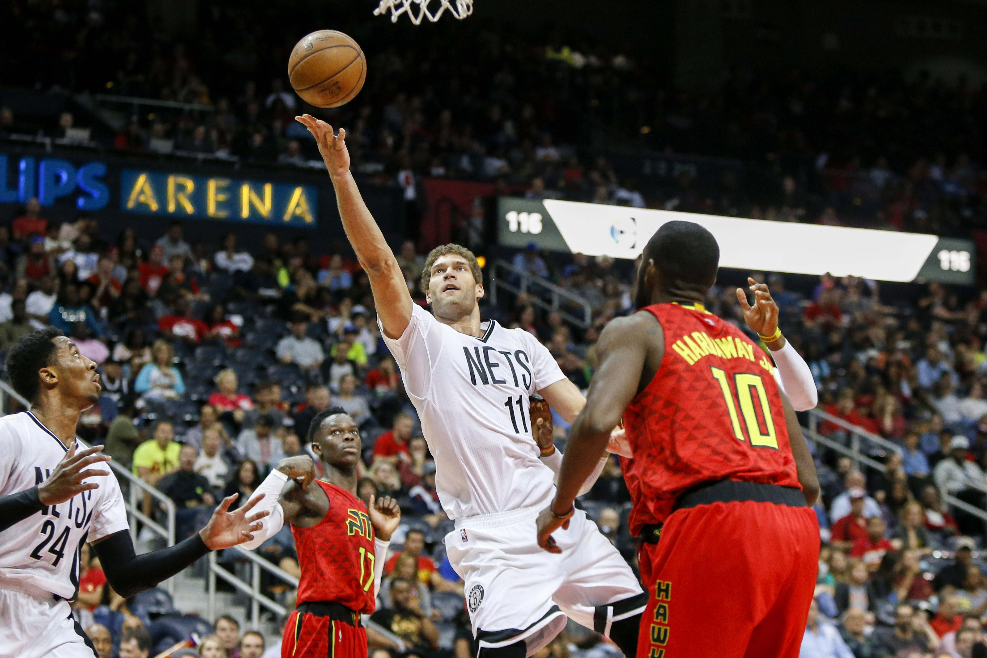 Howard has 22 points, 20 rebounds in Hawks' win over 76ers