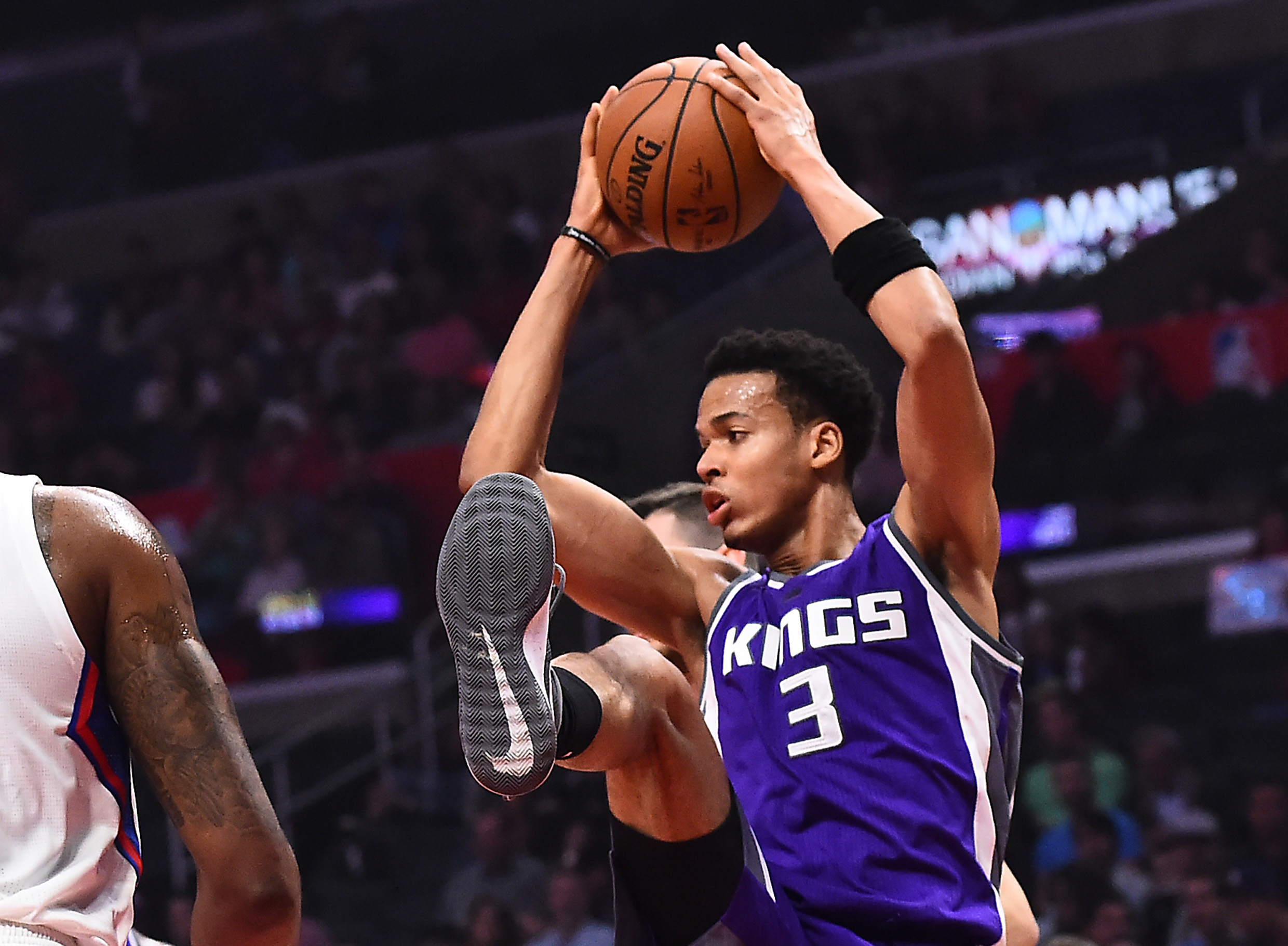 9971913-nba-sacramento-kings-at-los-angeles-clippers