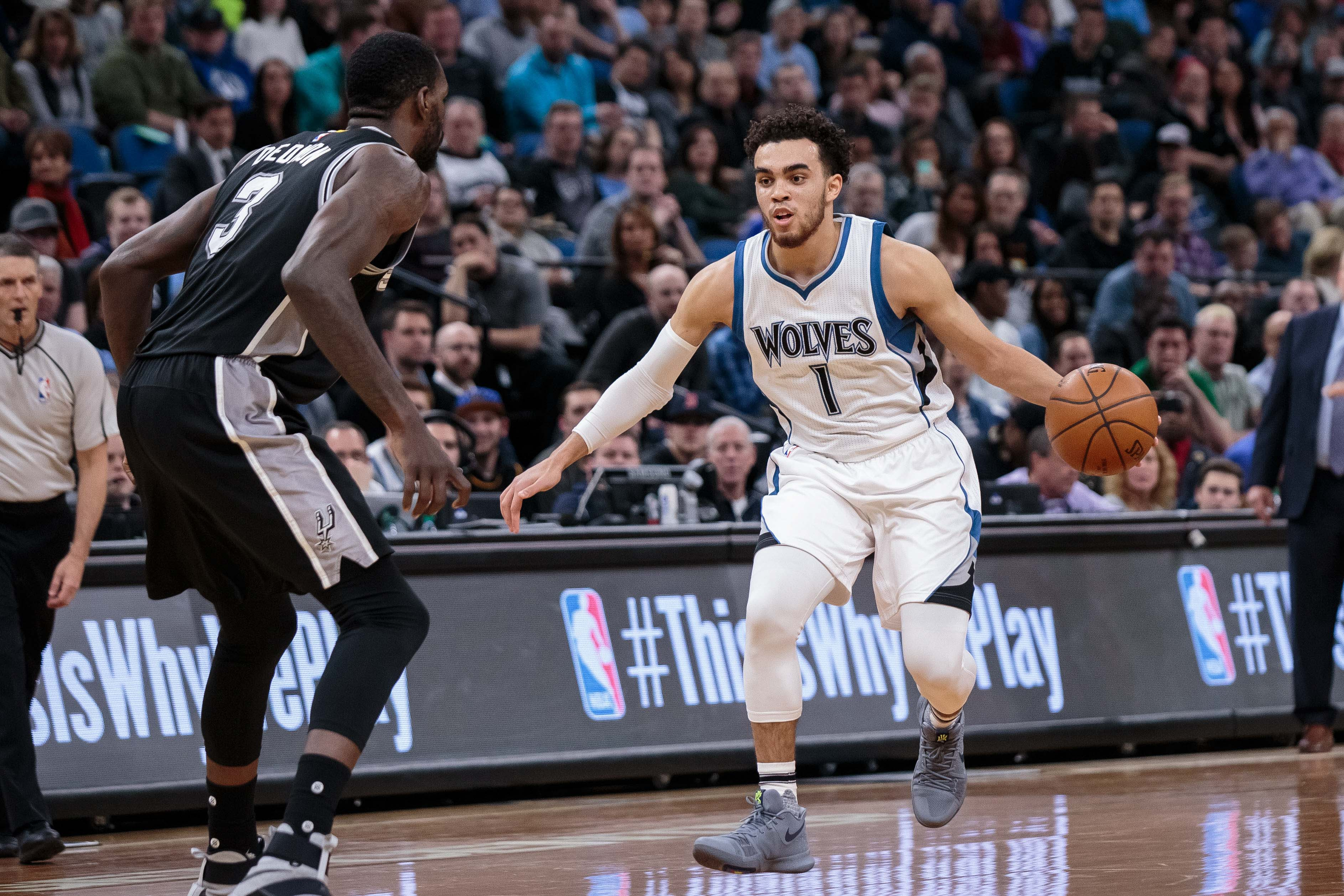 9973570-nba-san-antonio-spurs-at-minnesota-timberwolves
