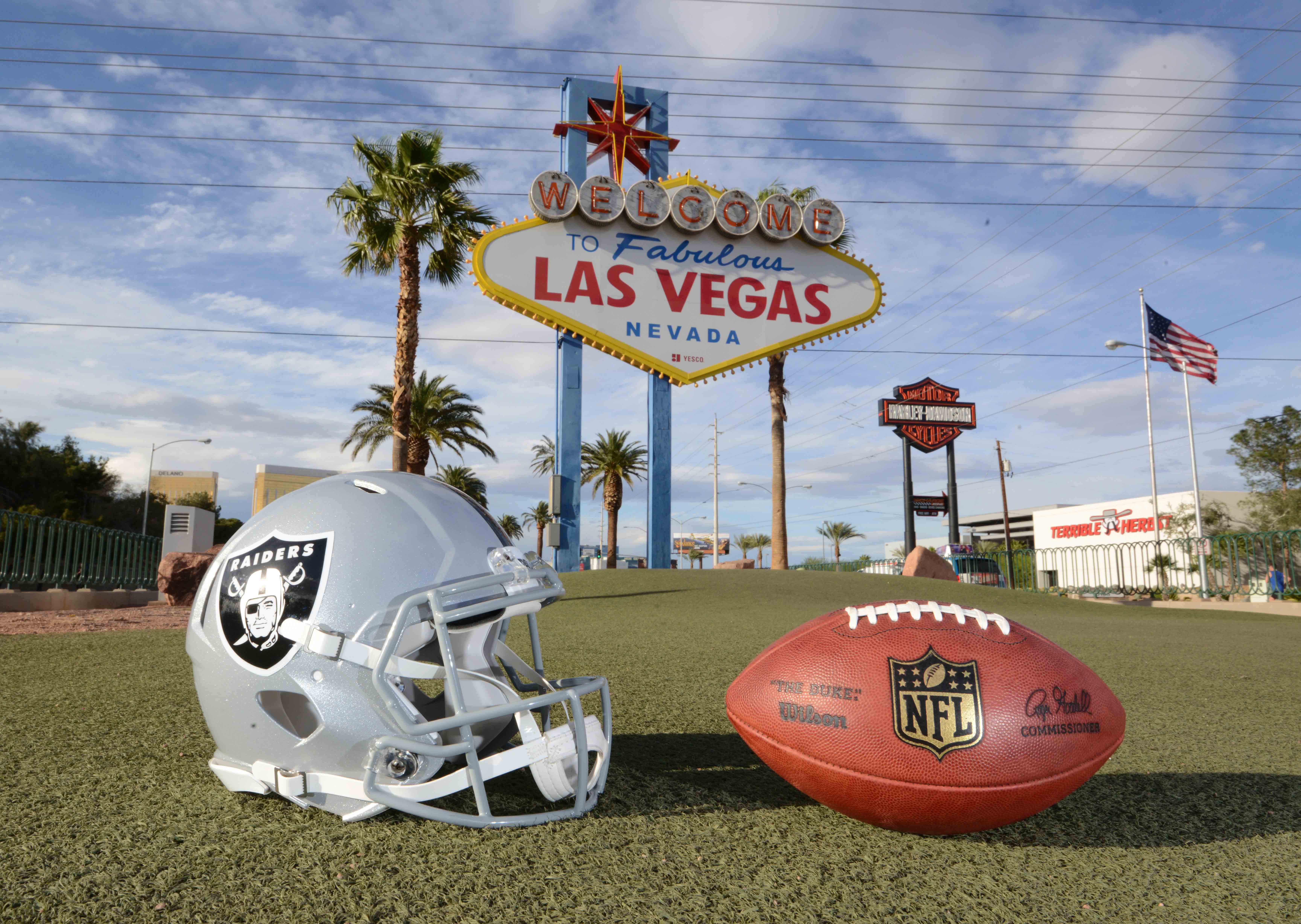 9973604-nfl-oakland-raiders-las-vegas-relocation-1