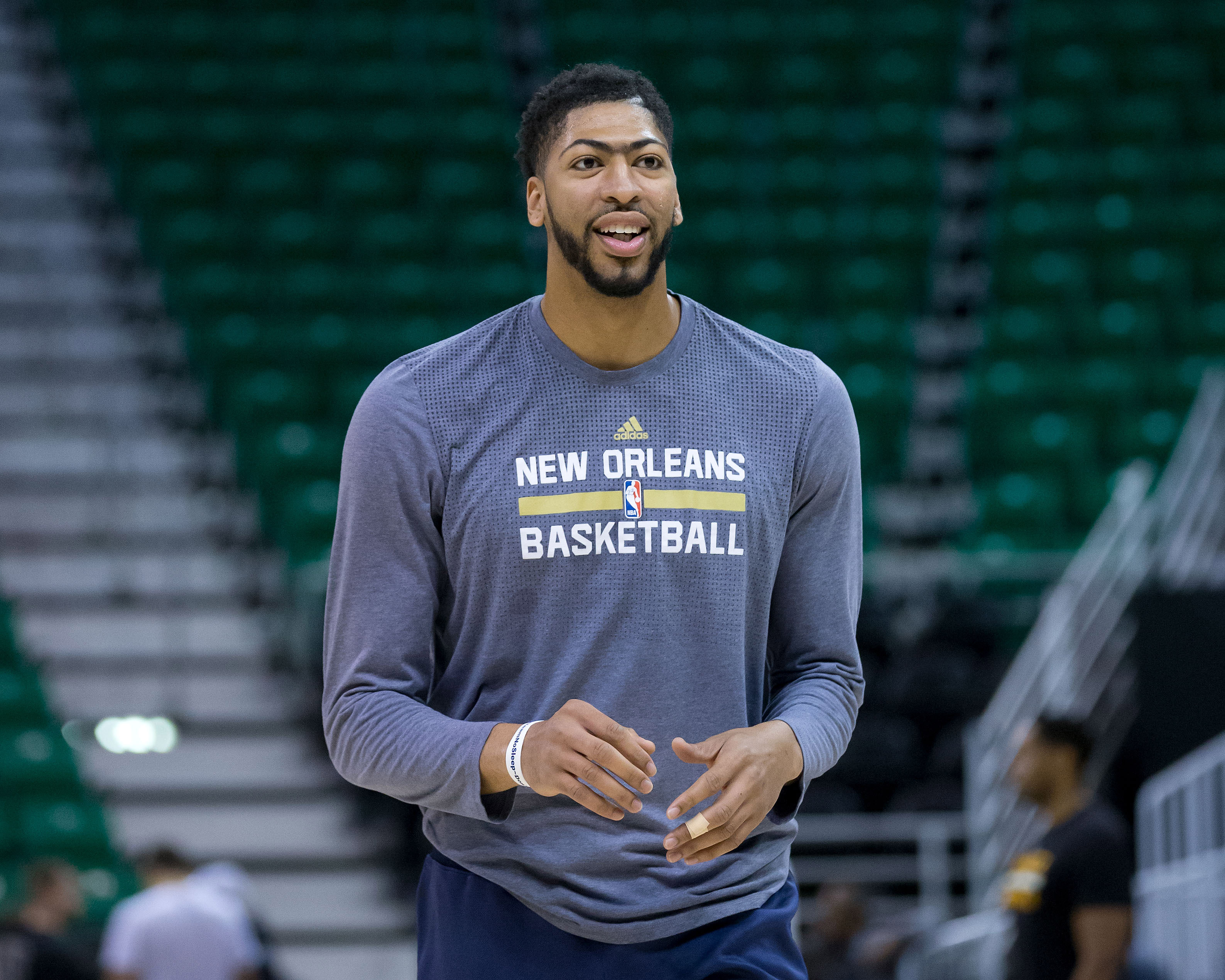 9975934-nba-new-orleans-pelicans-at-utah-jazz