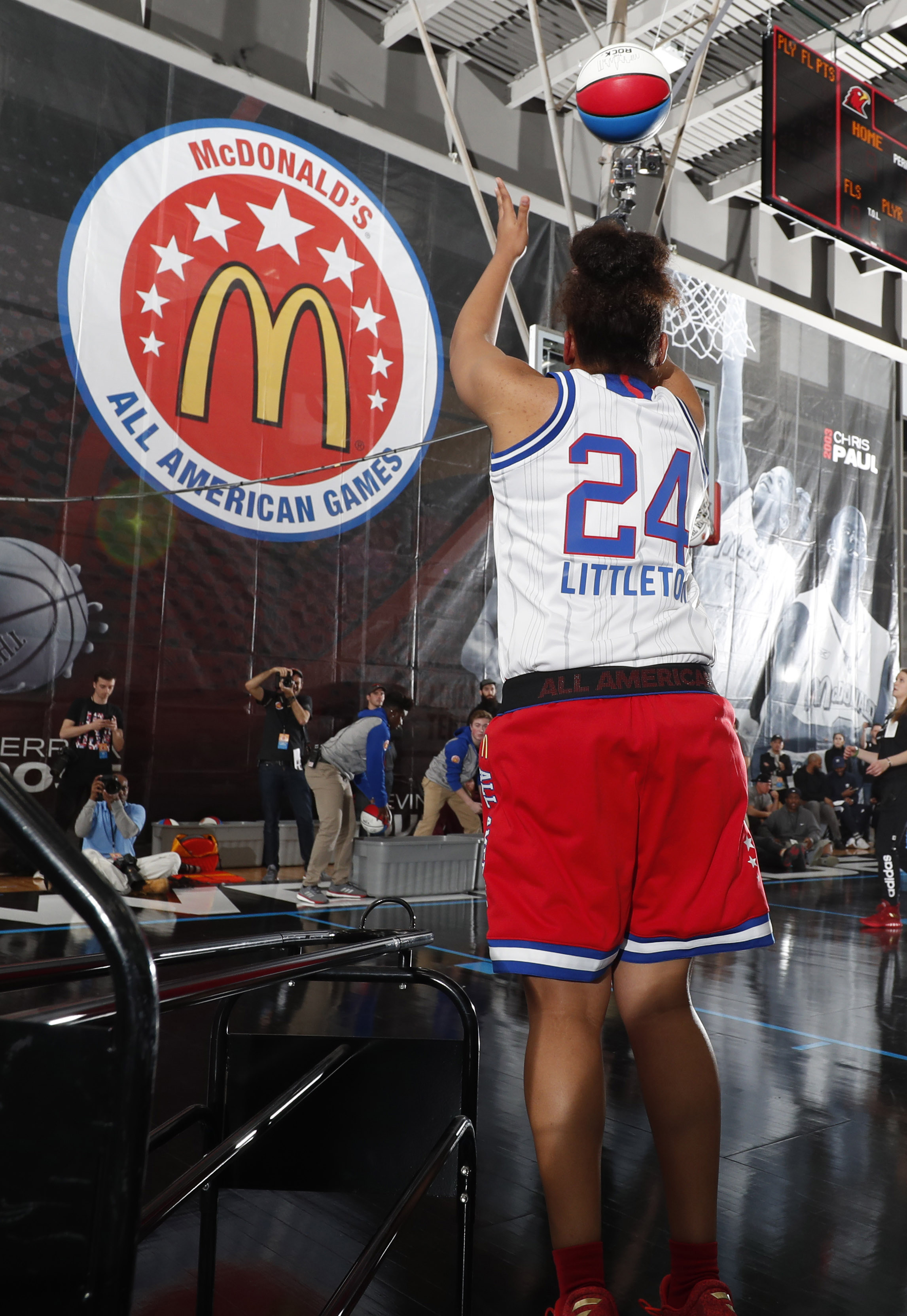 9976130-high-school-basketball-mcdonalds-all-american-powerade-jamfest