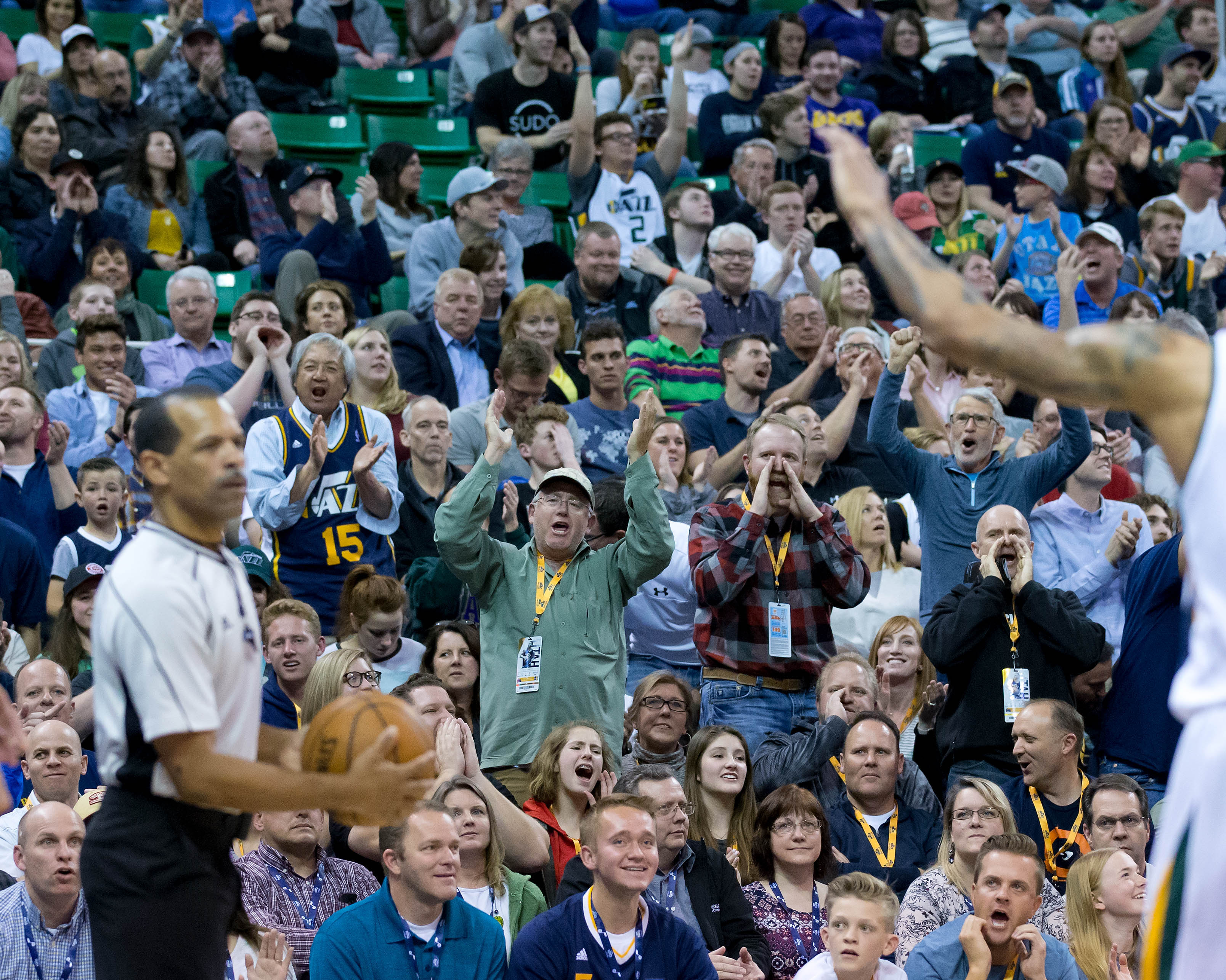 9976318-nba-new-orleans-pelicans-at-utah-jazz