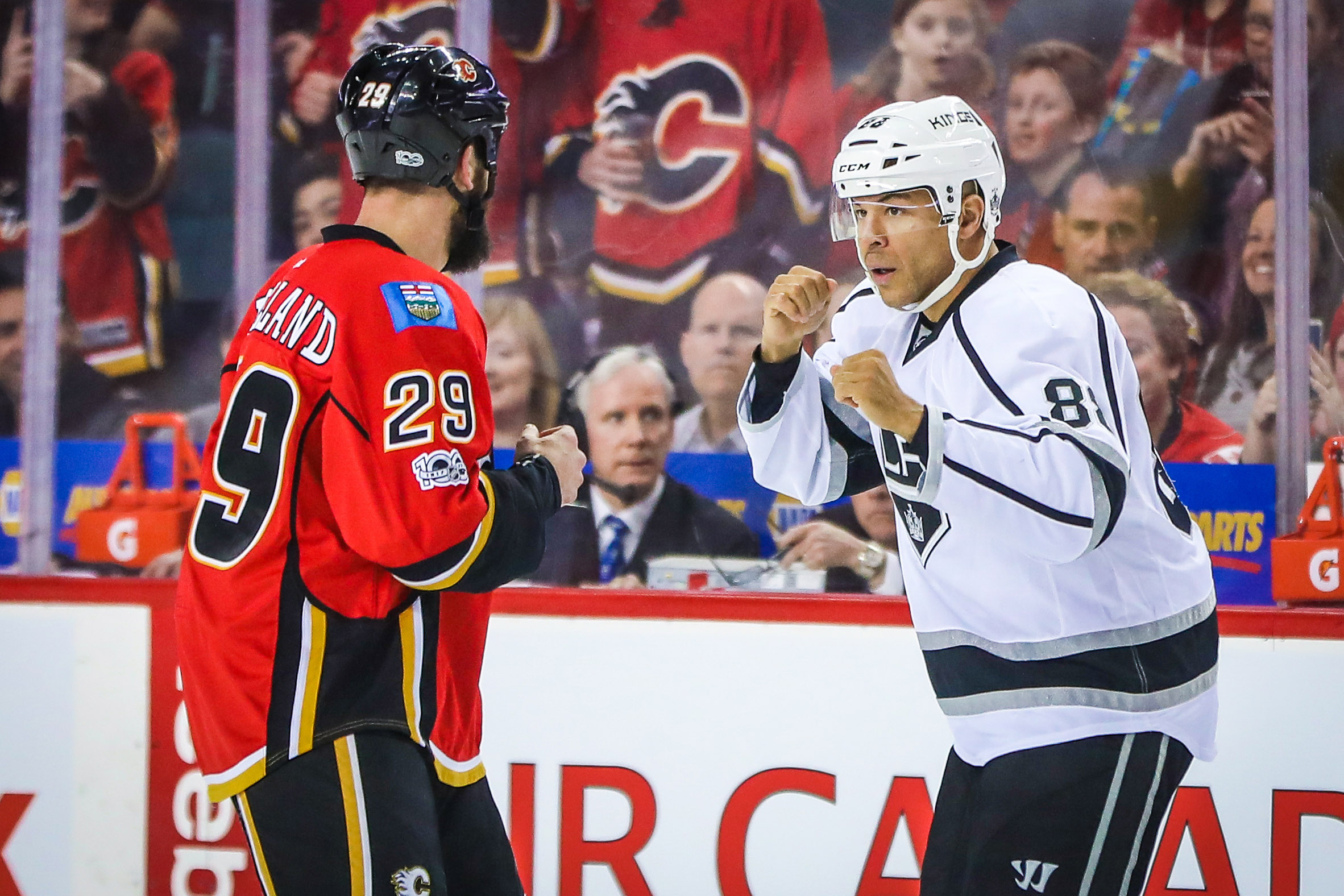9980030-nhl-los-angeles-kings-at-calgary-flames