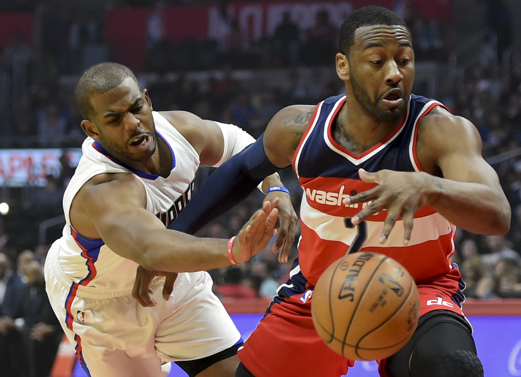 9980093-nba-washington-wizards-at-los-angeles-clippers