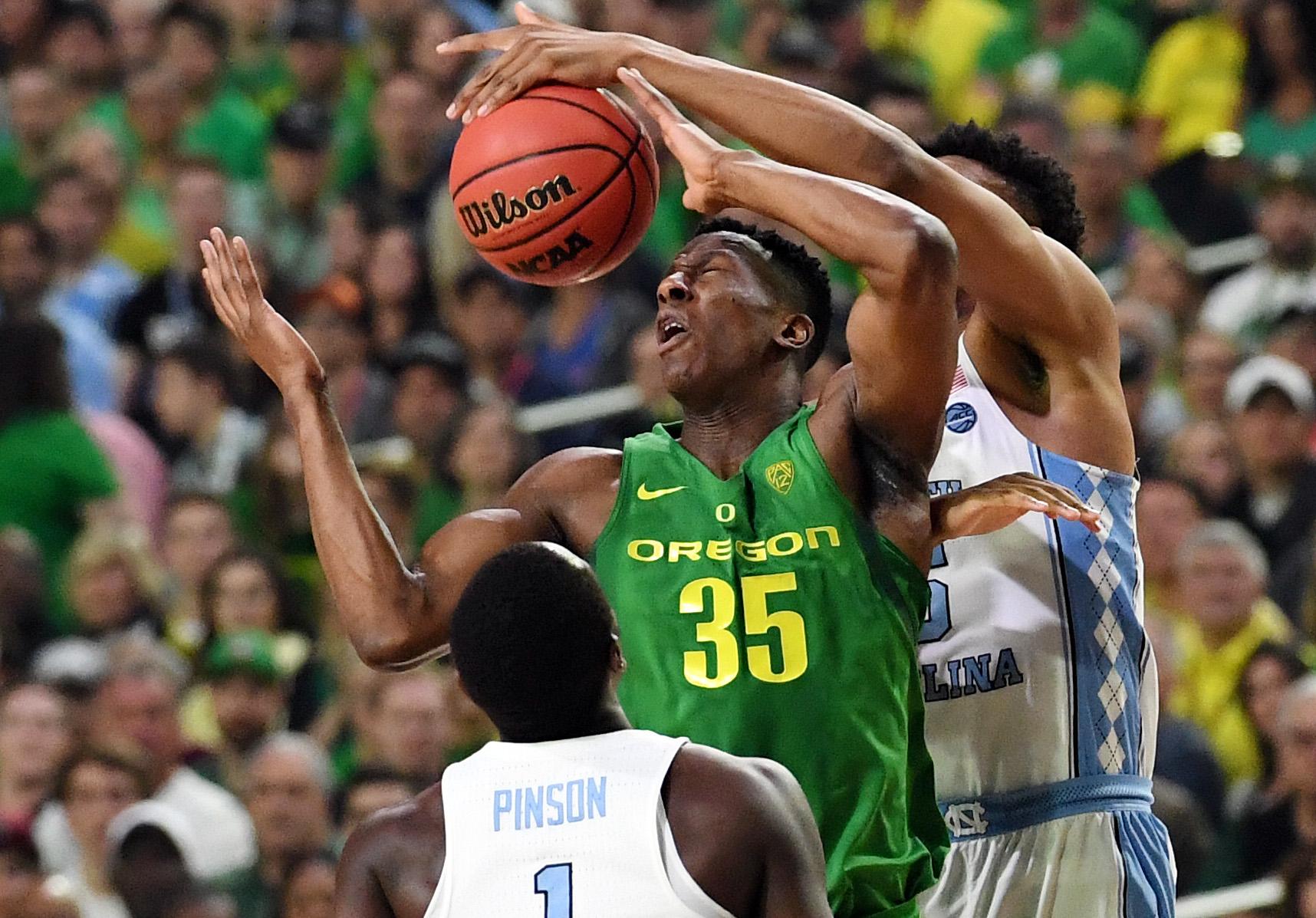 9986400-ncaa-basketball-final-four-oregon-vs-north-carolina