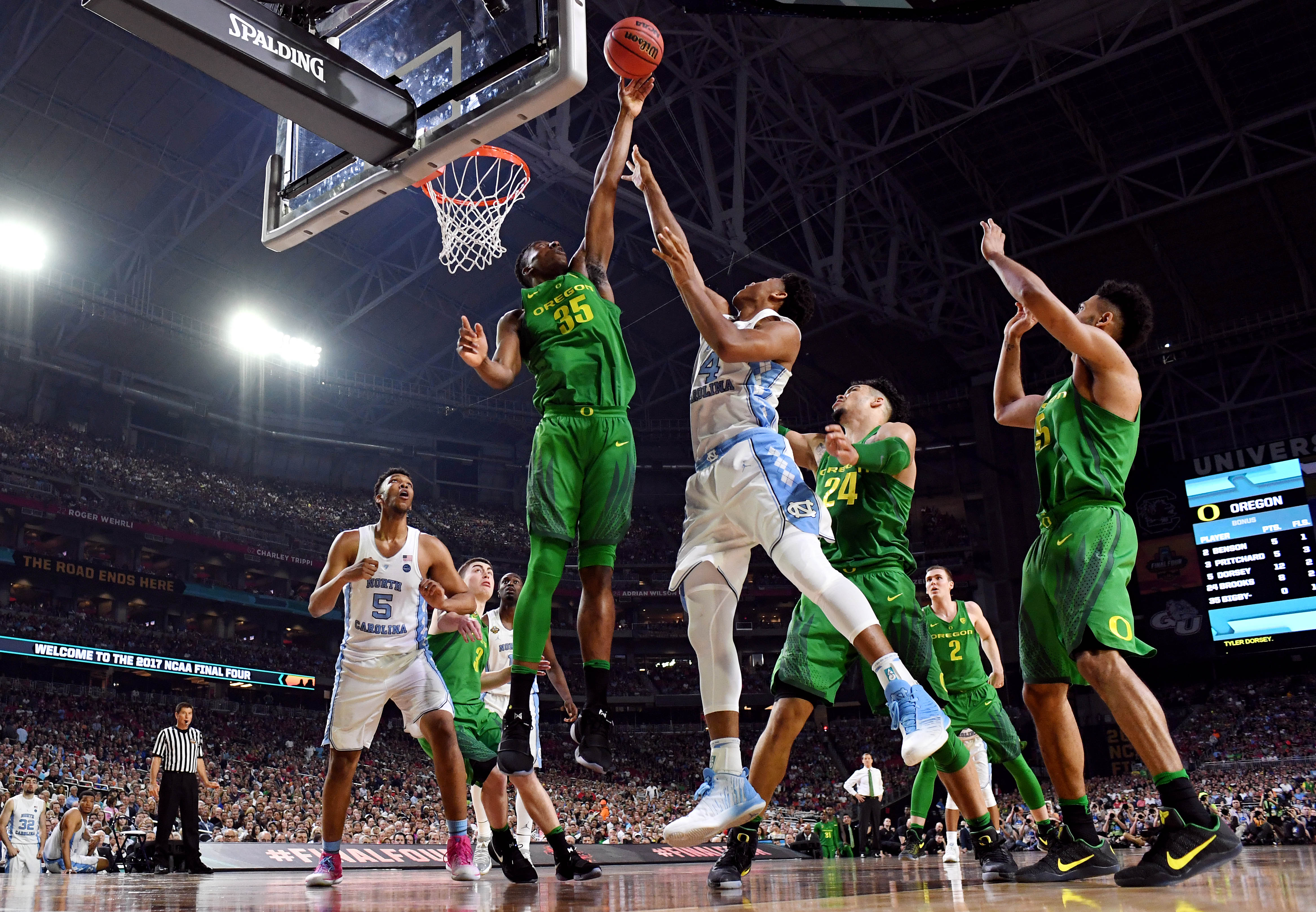 9986700-ncaa-basketball-final-four-oregon-vs-north-carolina
