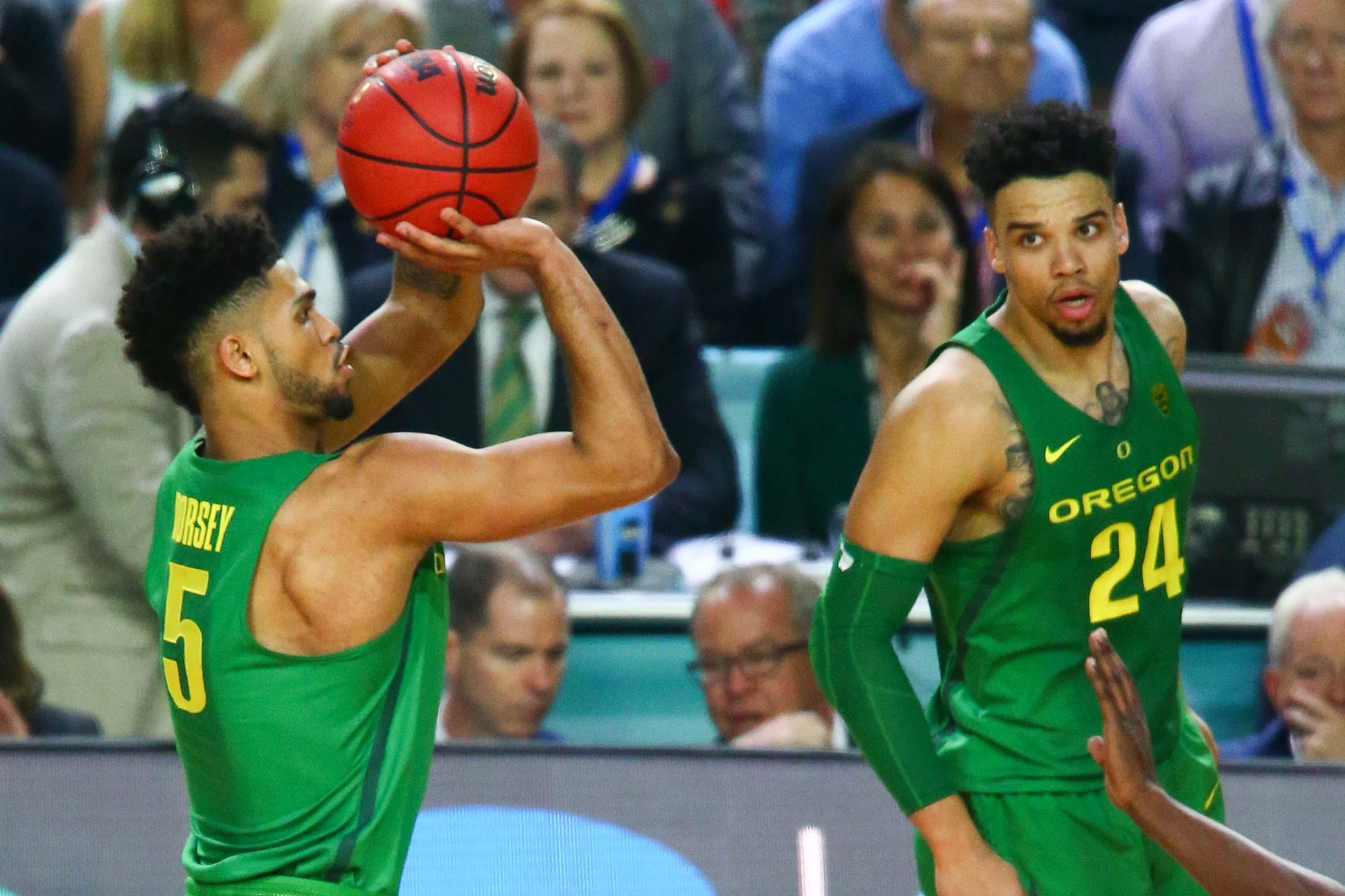 9986709-ncaa-basketball-final-four-oregon-vs-north-carolina