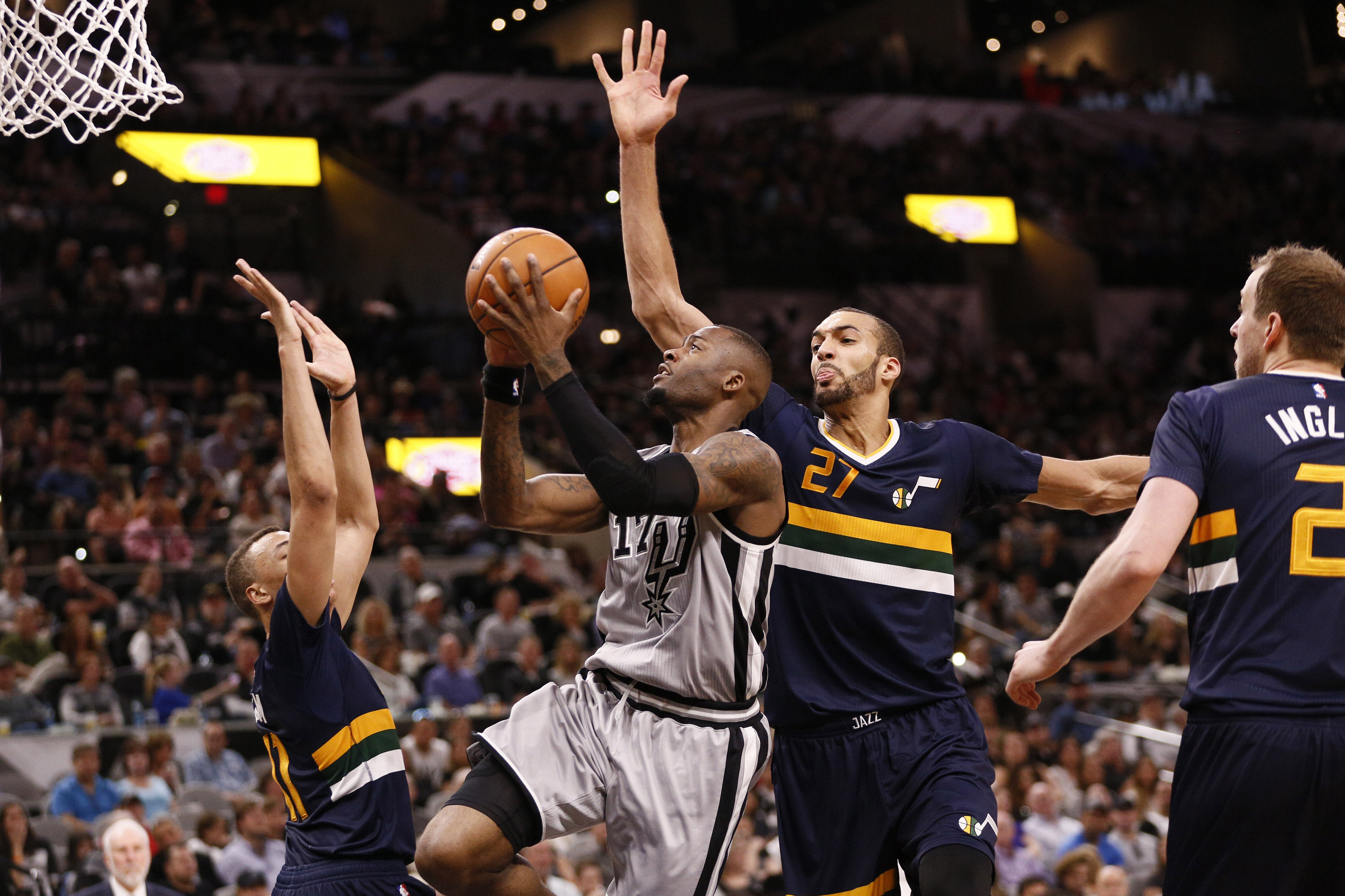 Rudy Gobert: Rudy Gobert helps Jazz knock off Spurs on Wednesday