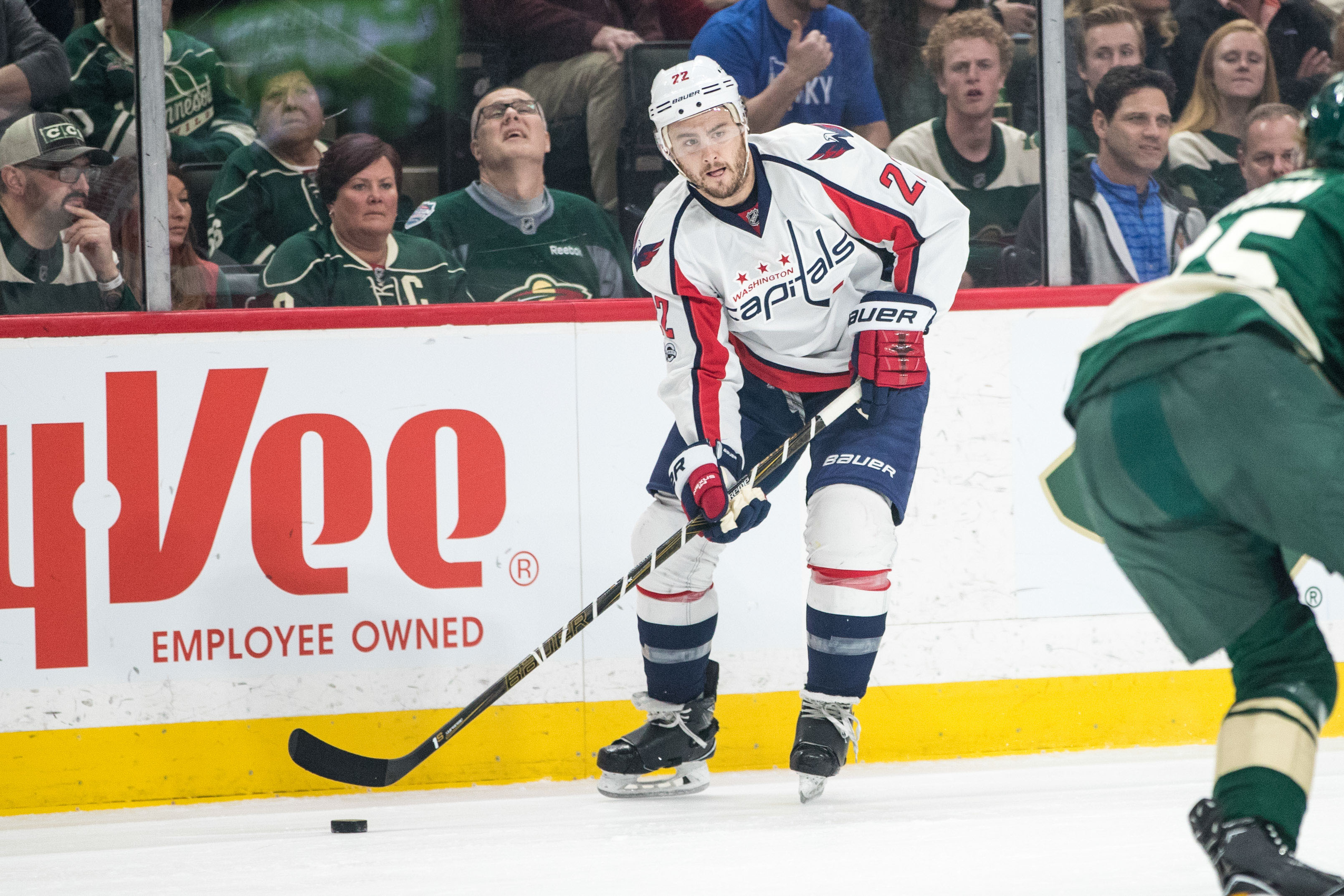 9989157-nhl-washington-capitals-at-minnesota-wild