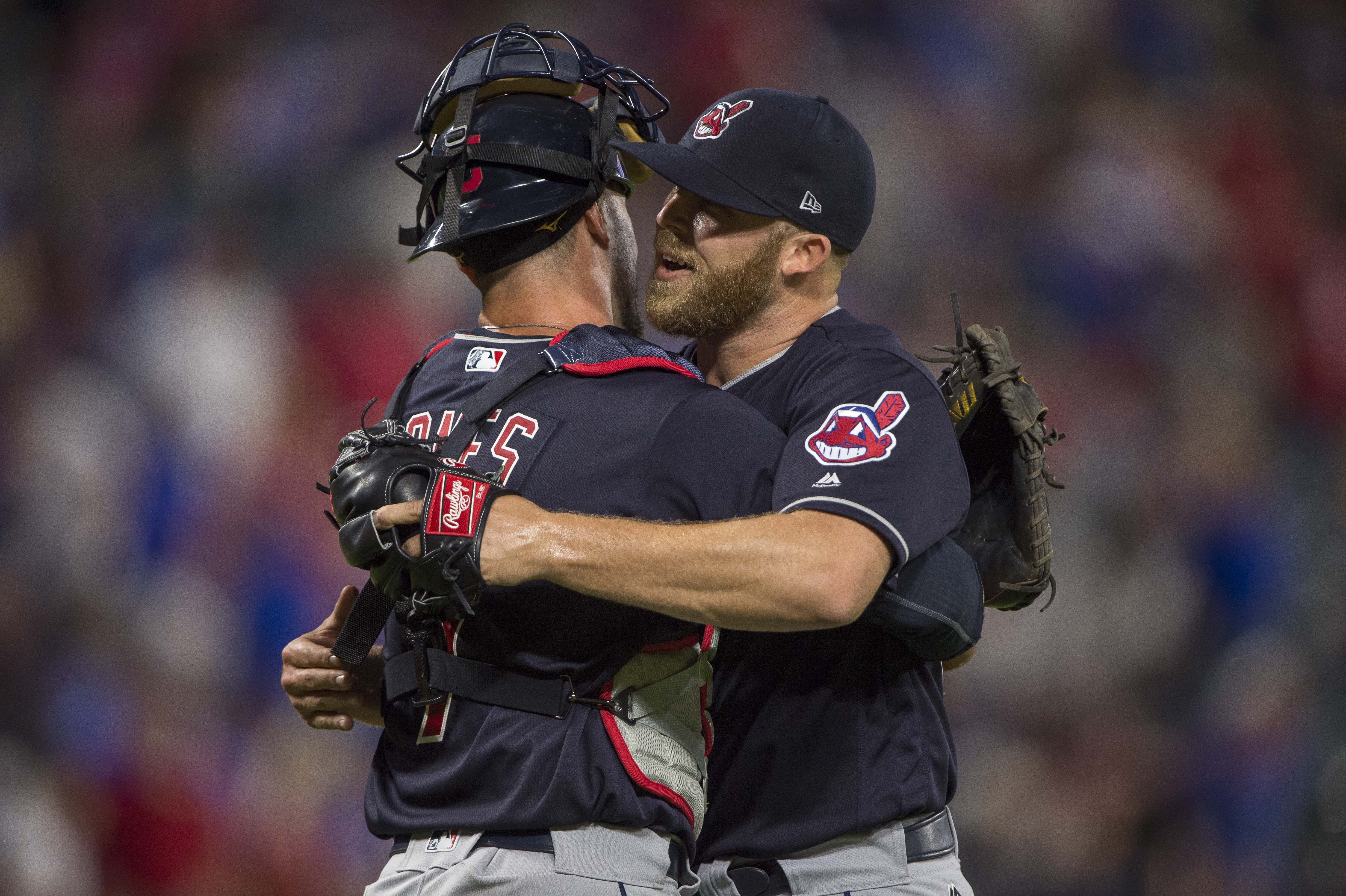 9991910-mlb-cleveland-indians-at-texas-rangers