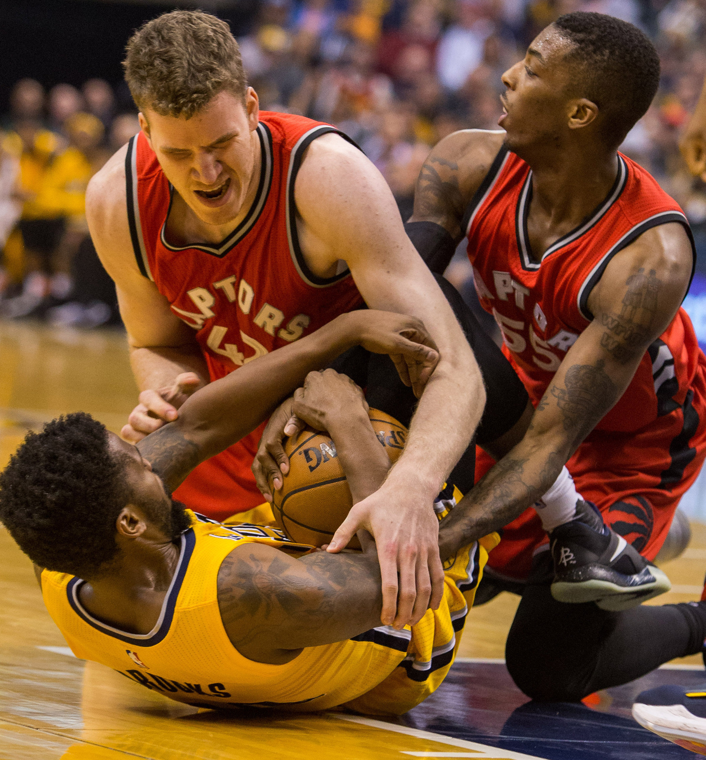 9993087-nba-toronto-raptors-at-indiana-pacers