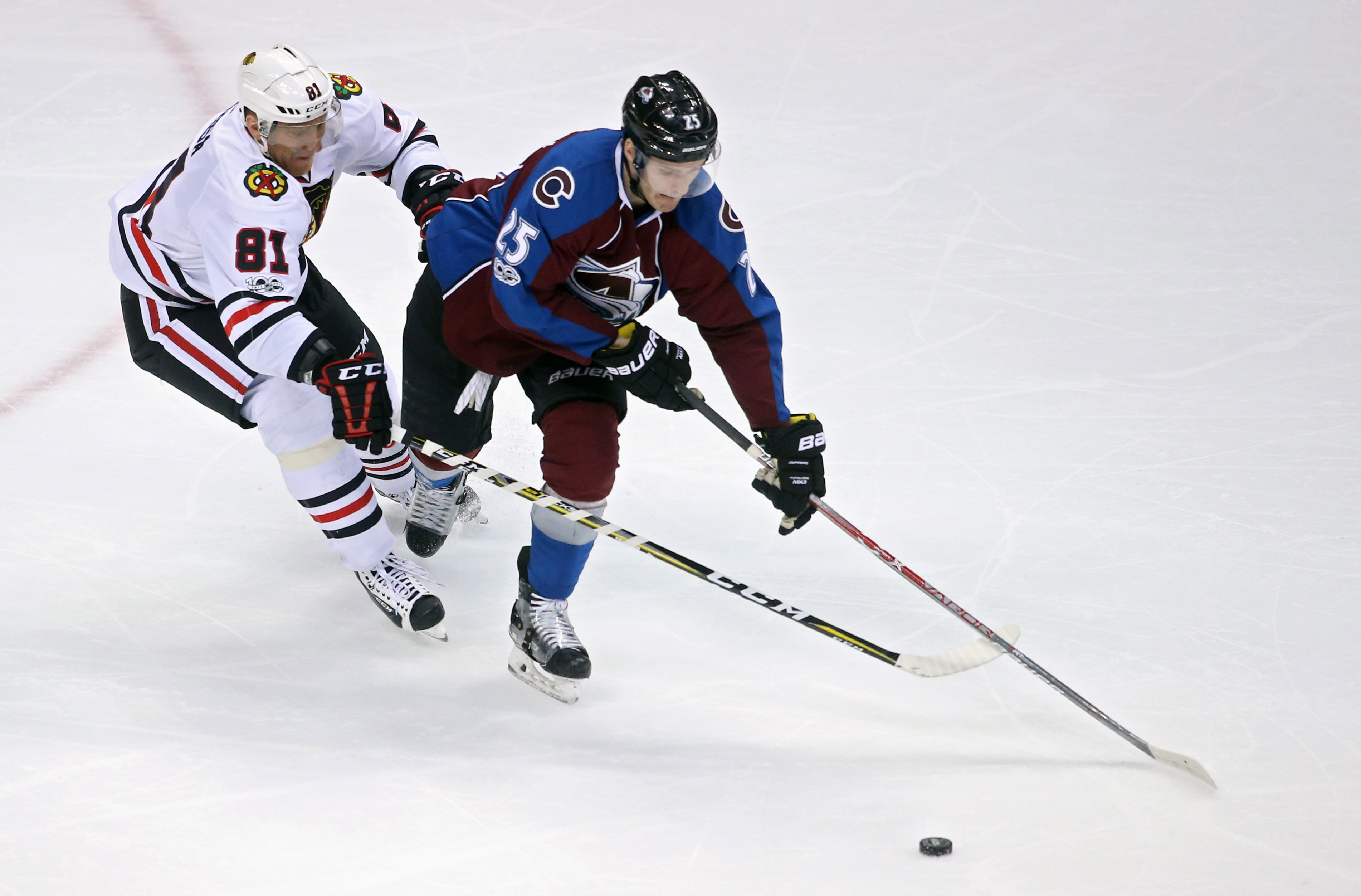 9993967-nhl-chicago-blackhawks-at-colorado-avalanche