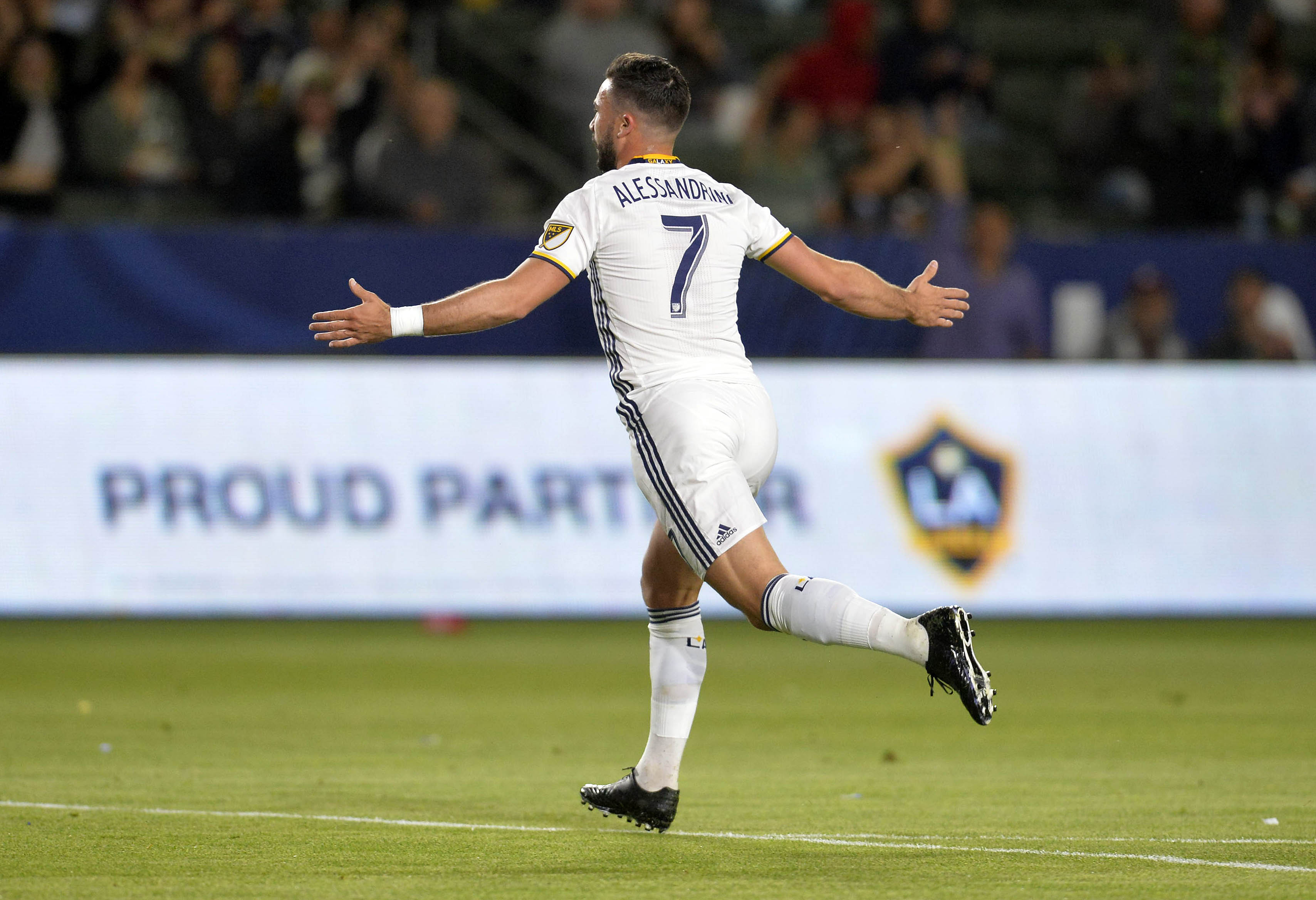 9999089-mls-montreal-impact-at-los-angeles-galaxy