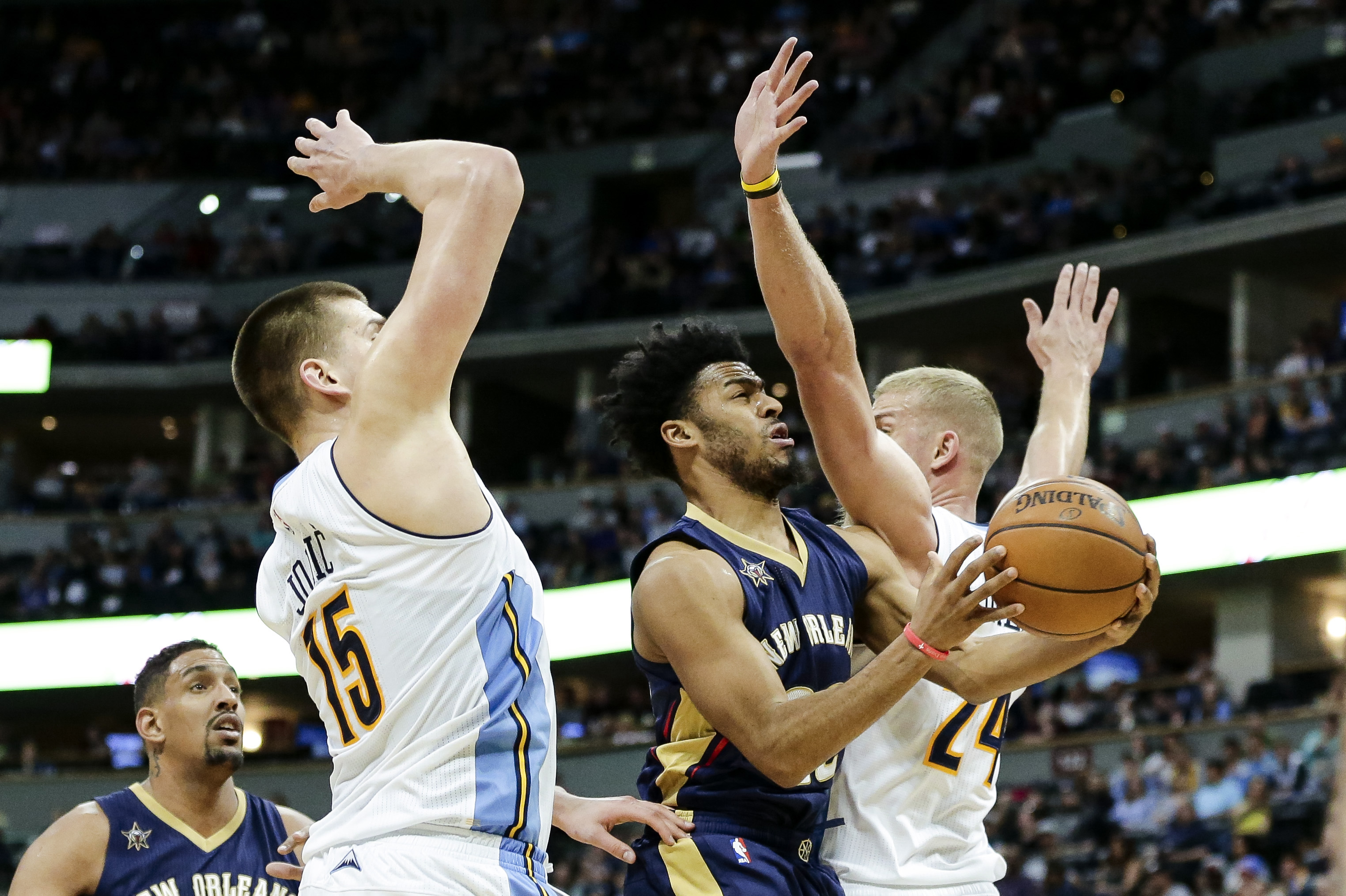 9999214-nba-new-orleans-pelicans-at-denver-nuggets