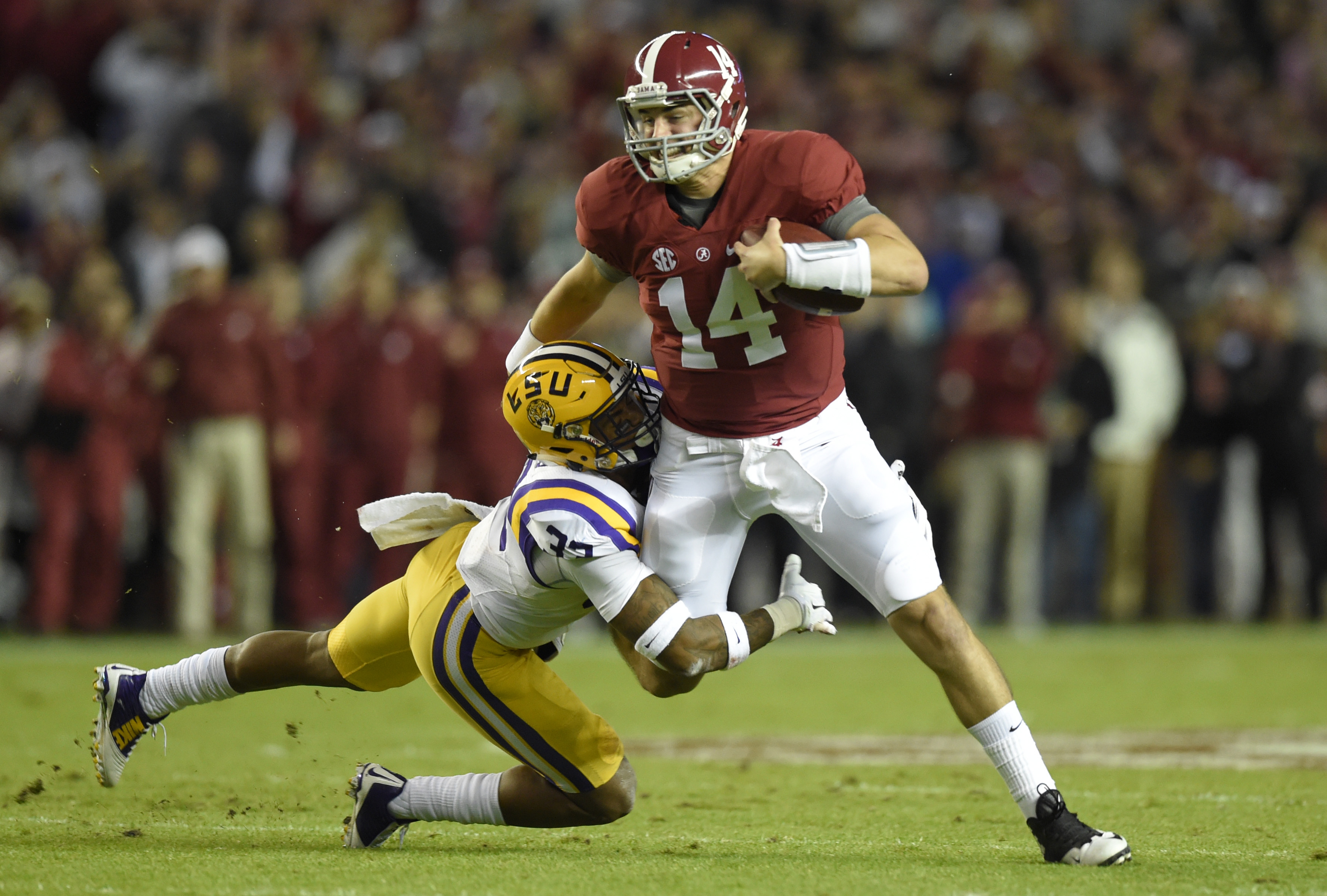 8909249-ncaa-football-louisiana-state-at-alabama