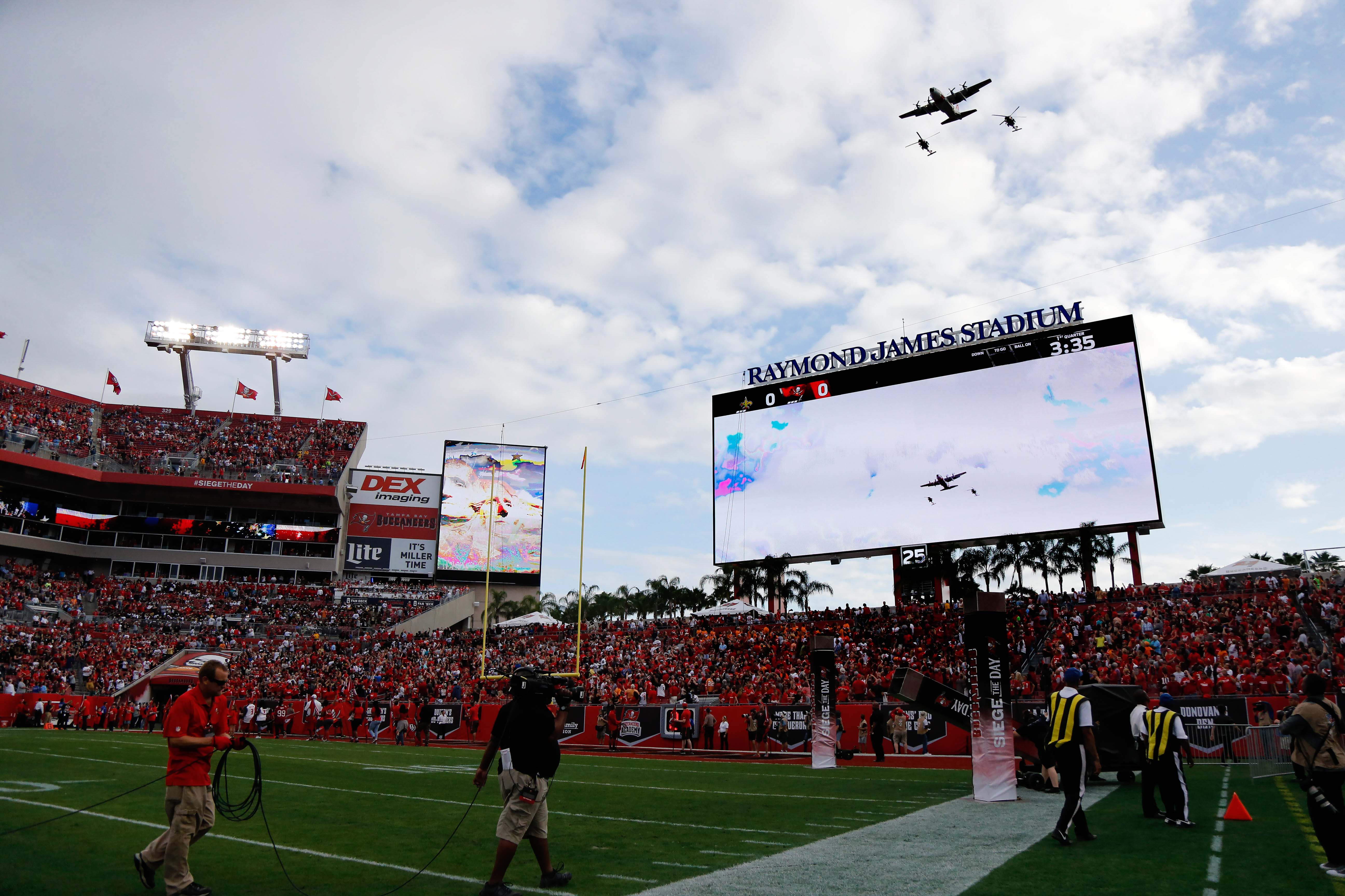 9750825-nfl-new-orleans-saints-at-tampa-bay-buccaneers