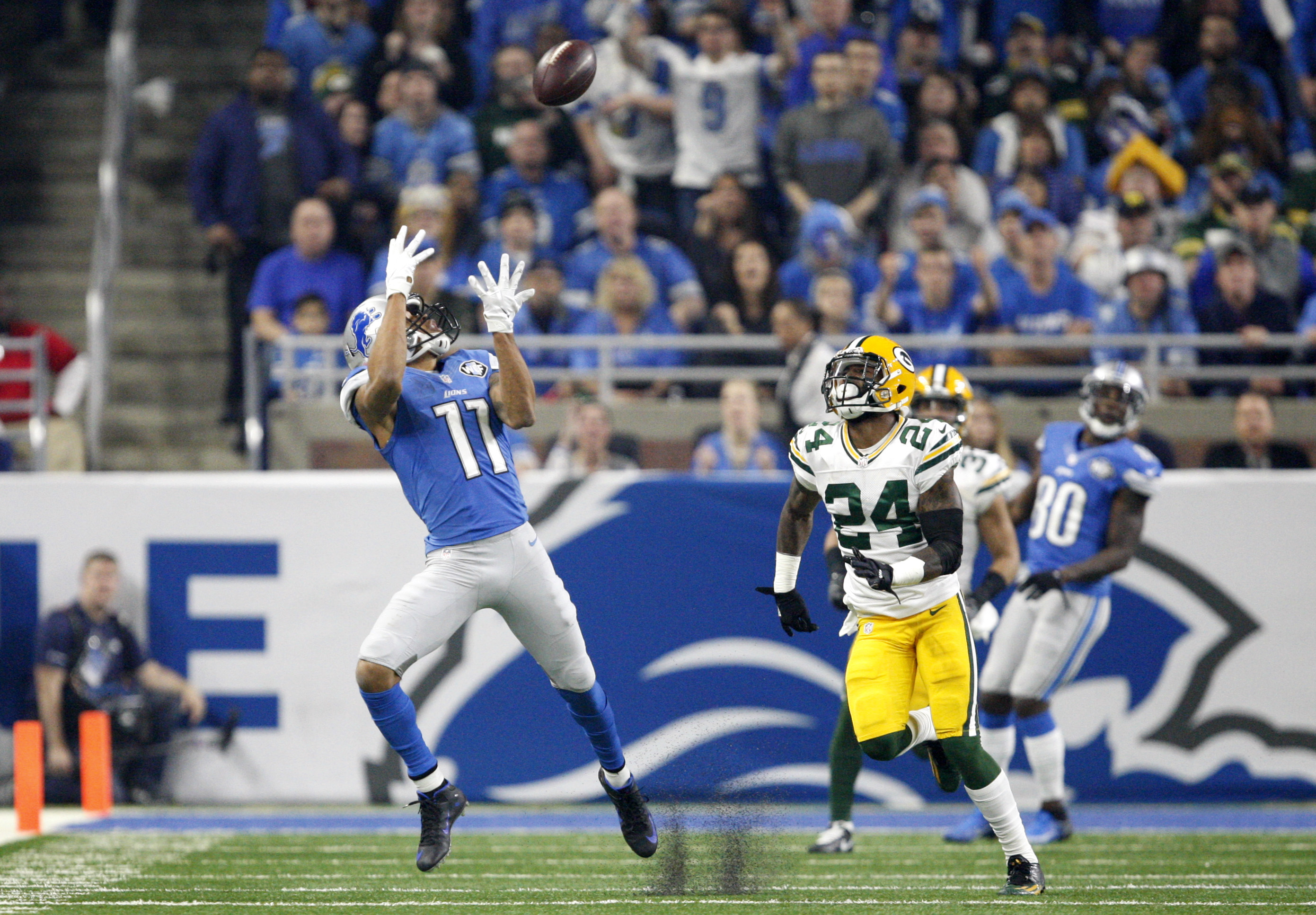 9783853-nfl-green-bay-packers-at-detroit-lions