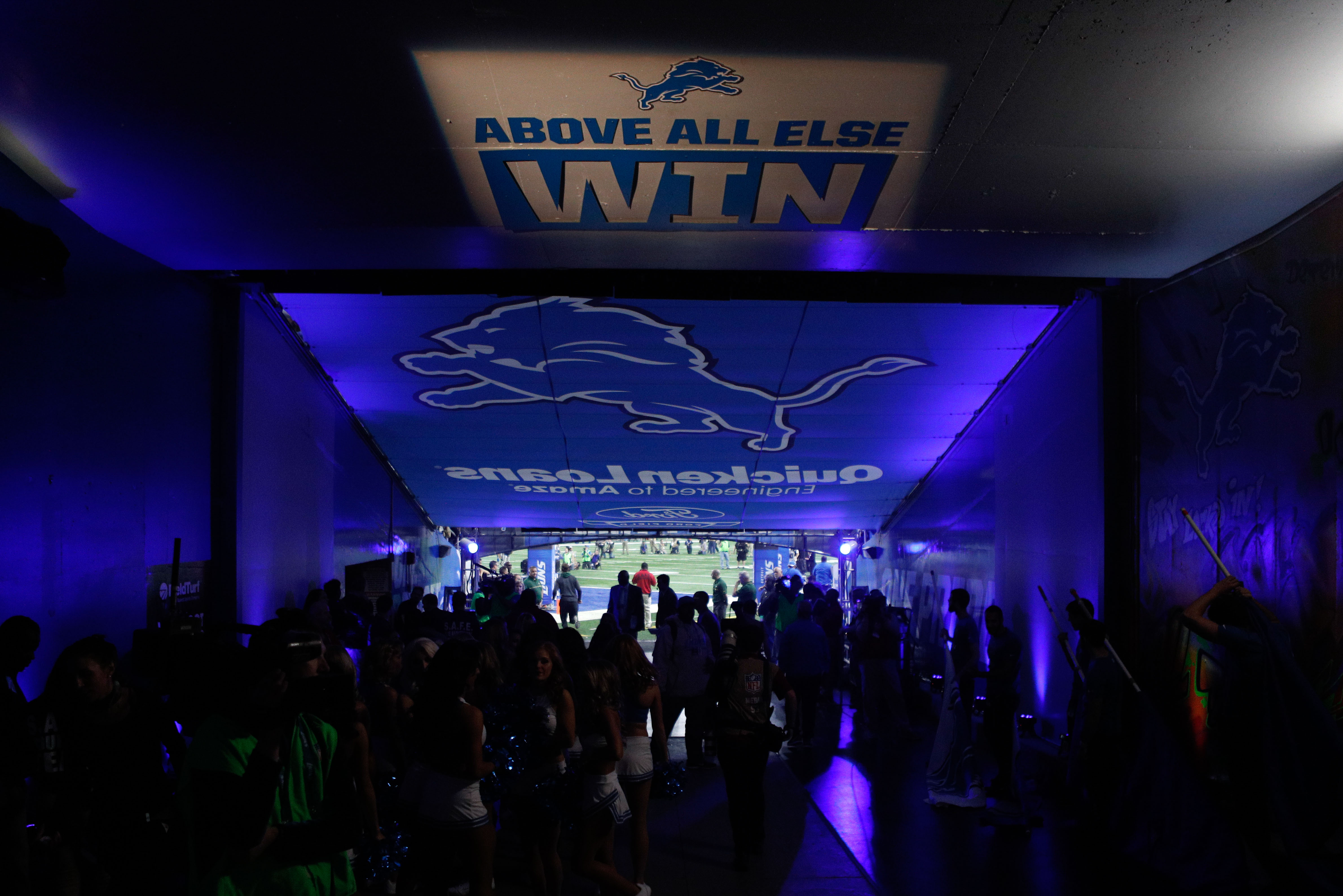 9791890-nfl-green-bay-packers-at-detroit-lions