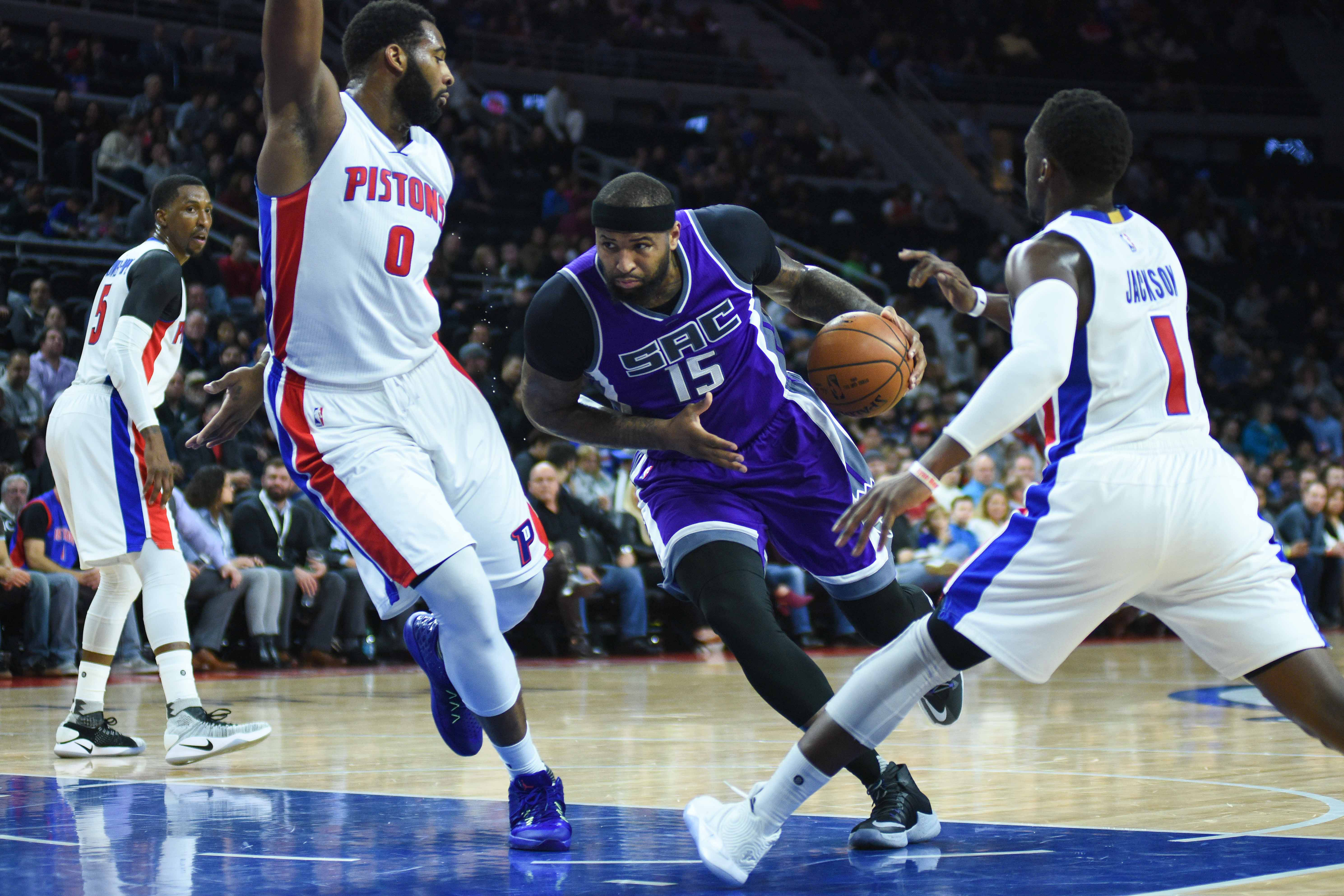 9833638-nba-sacramento-kings-at-detroit-pistons