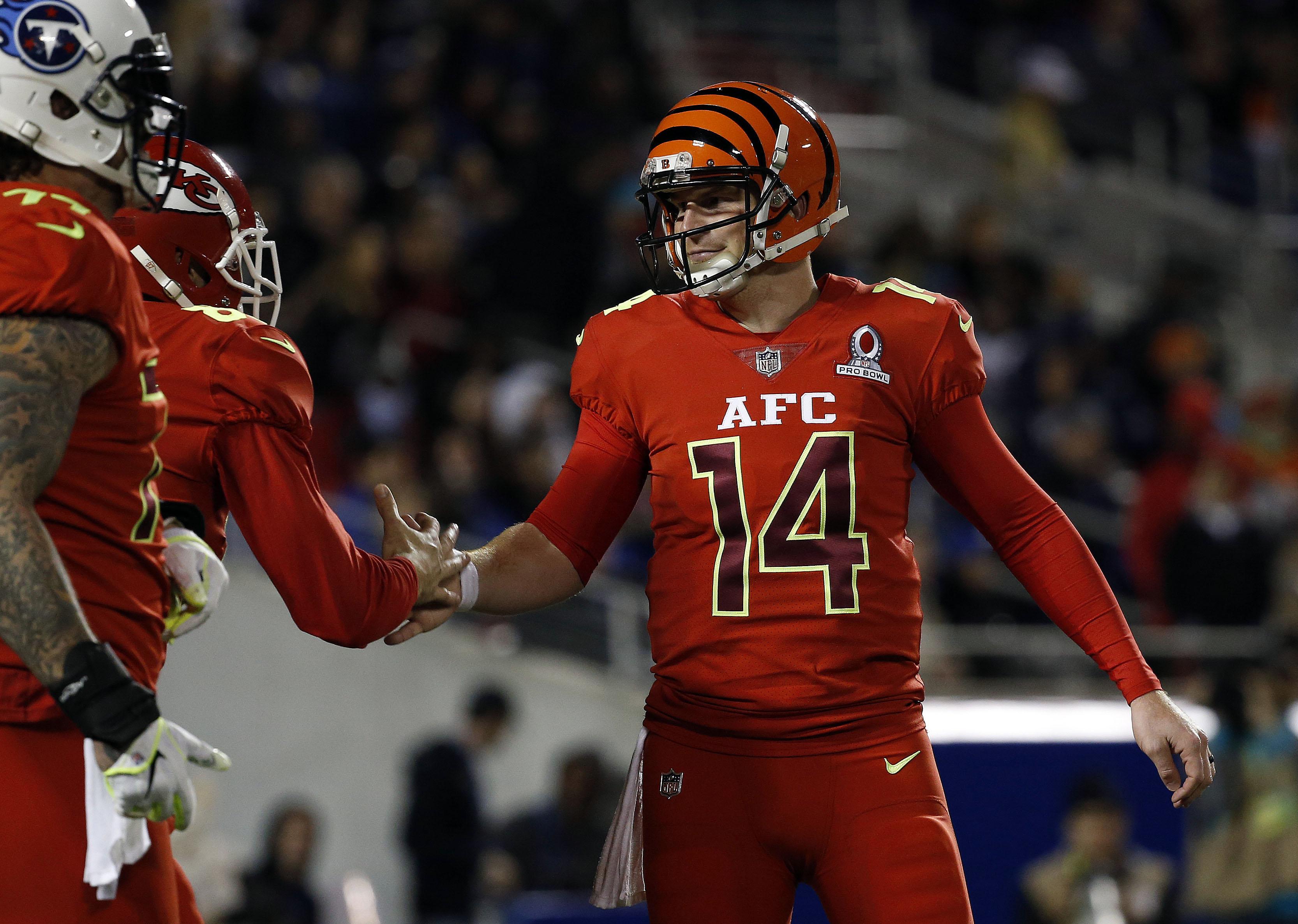 Bowl Game Schedule 2017 >> Bengals' Dalton, Atkins Shine In AFC Pro Bowl Win