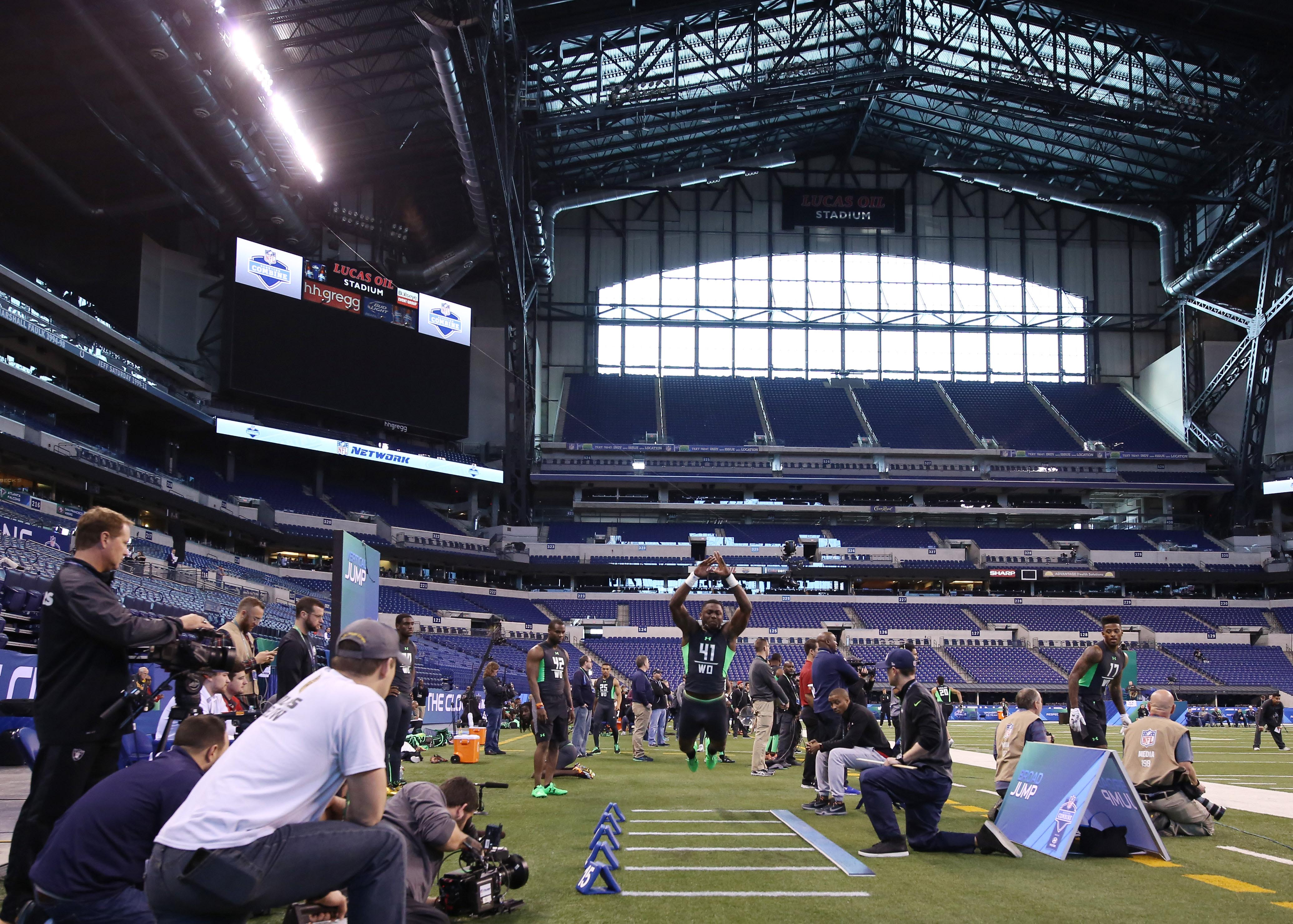 when is the nfl combine 2009 nfl draft