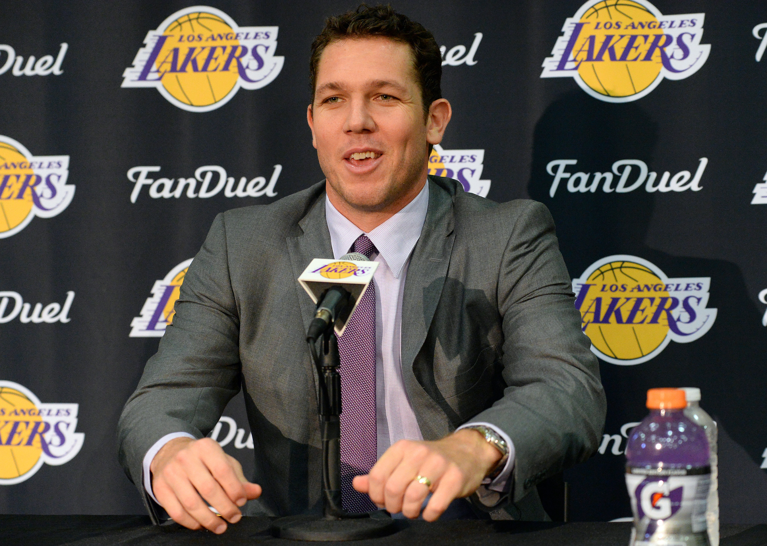 9350531-nba-los-angeles-lakers-press-conference