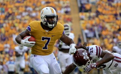 9546193-ncaa-football-mississippi-state-at-louisiana-state-420x260