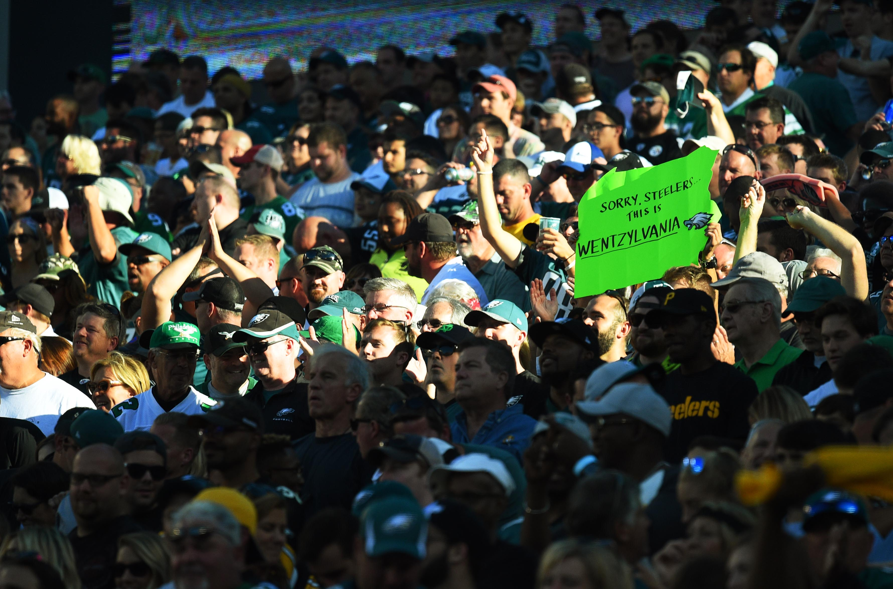 9565789-nfl-pittsburgh-steelers-at-philadelphia-eagles
