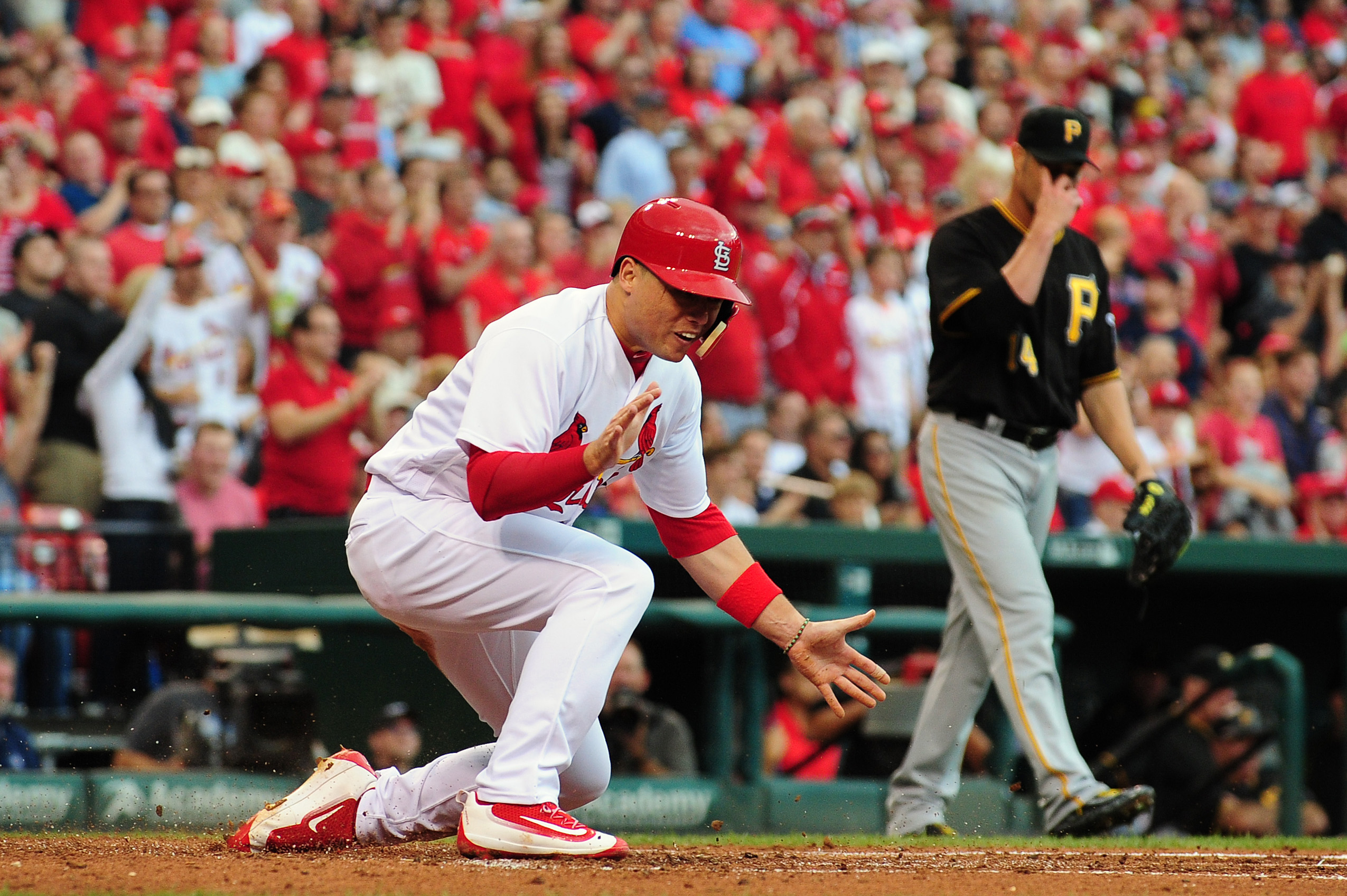 9585811-mlb-pittsburgh-pirates-at-st.-louis-cardinals