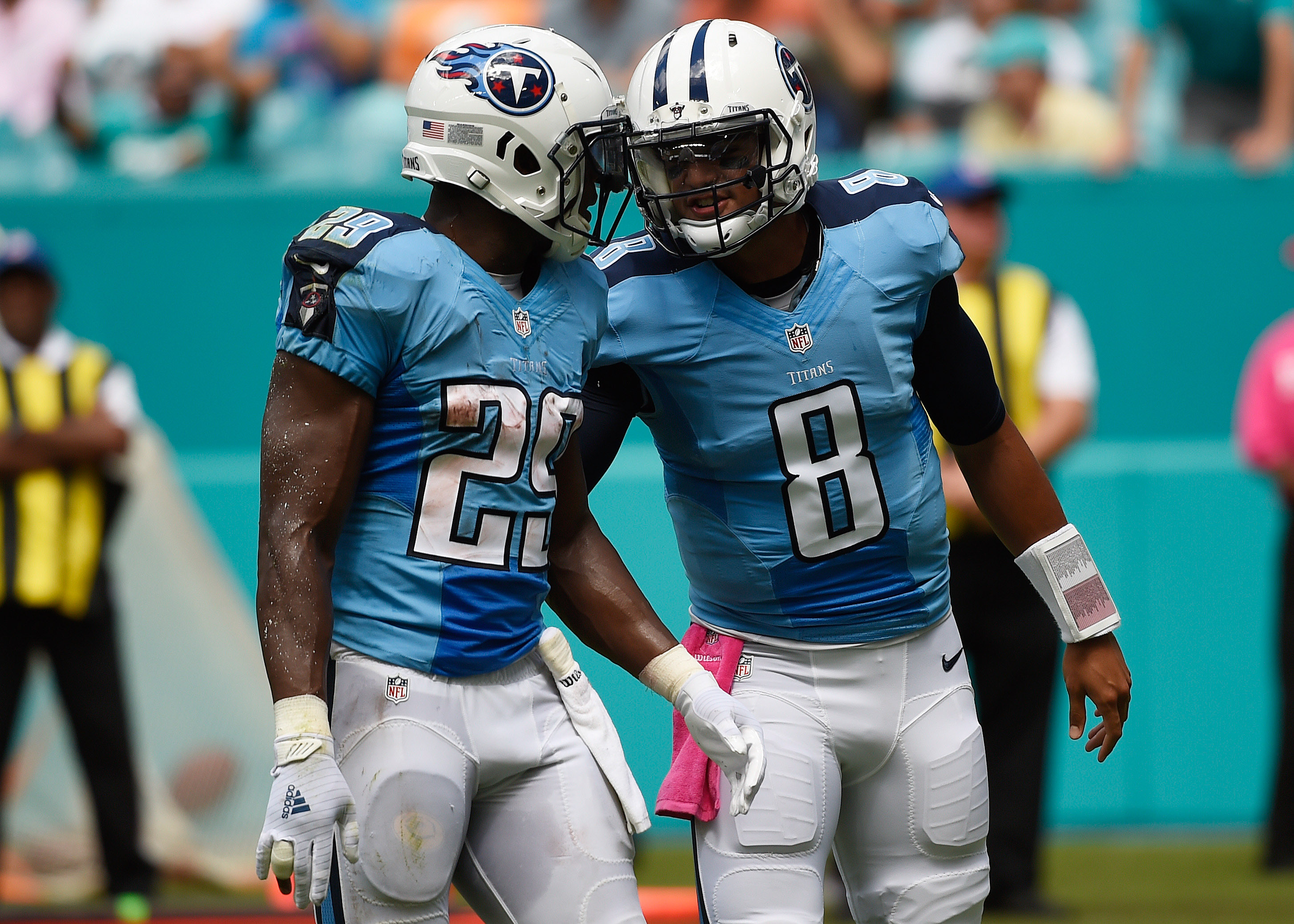 9611649-nfl-tennessee-titans-at-miami-dolphins