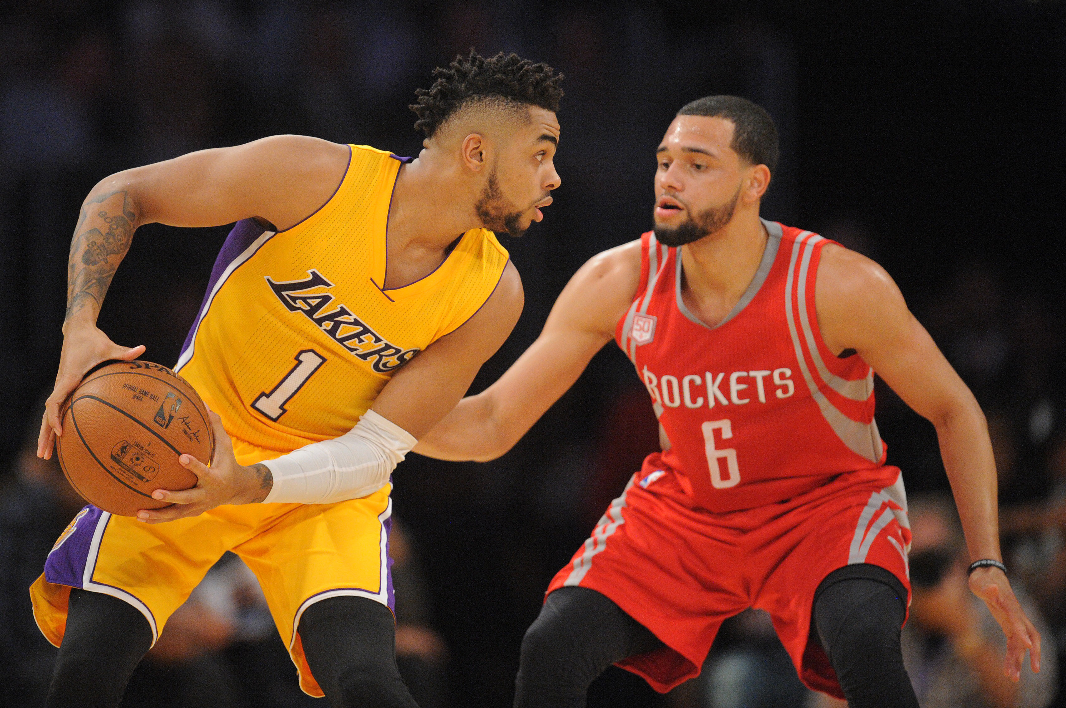 9634407-nba-houston-rockets-at-los-angeles-lakers-1