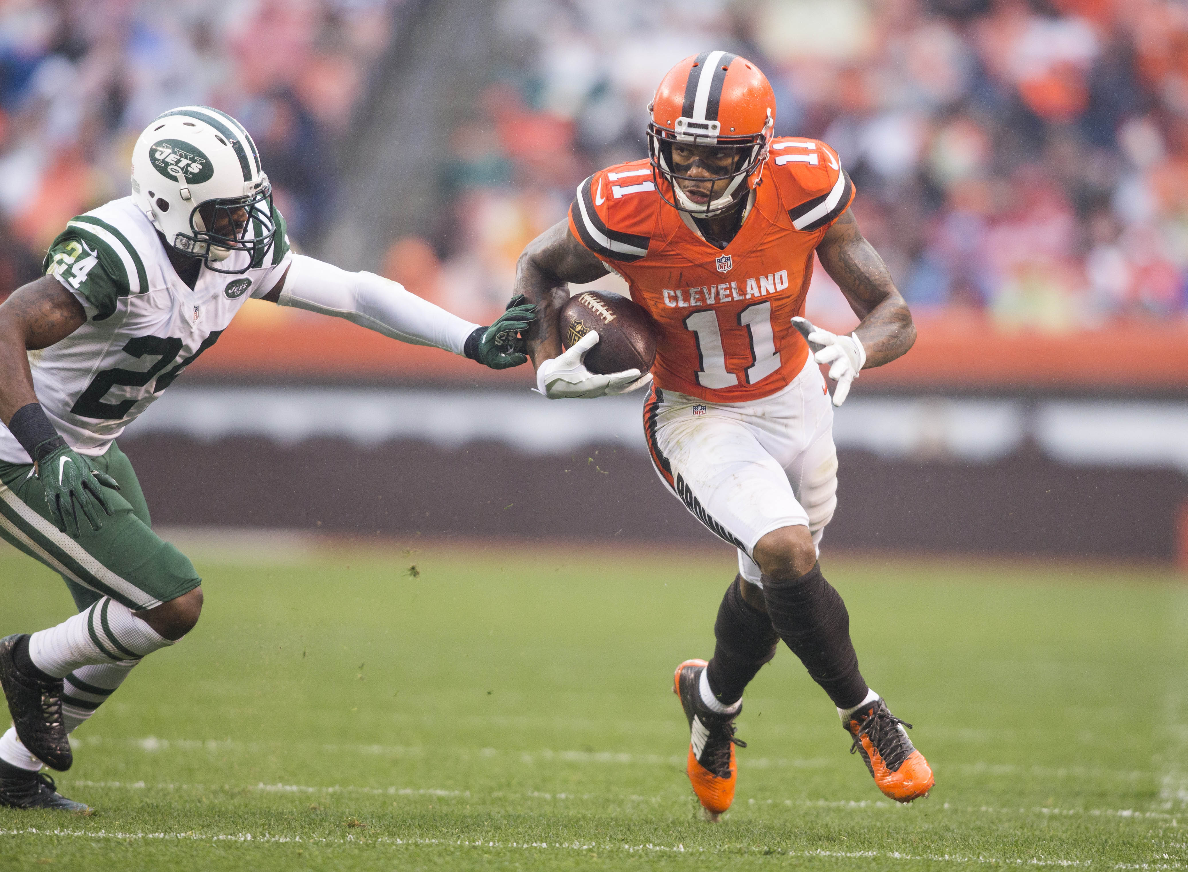9642965-nfl-new-york-jets-at-cleveland-browns