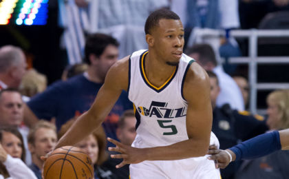 Dec 16, 2016; Salt Lake City, UT, USA; Utah Jazz guard Rodney Hood (5) controls the ball during the first quarter against the Dallas Mavericks at Vivint Smart Home Arena. Mandatory Credit: Russ Isabella-USA TODAY Sports