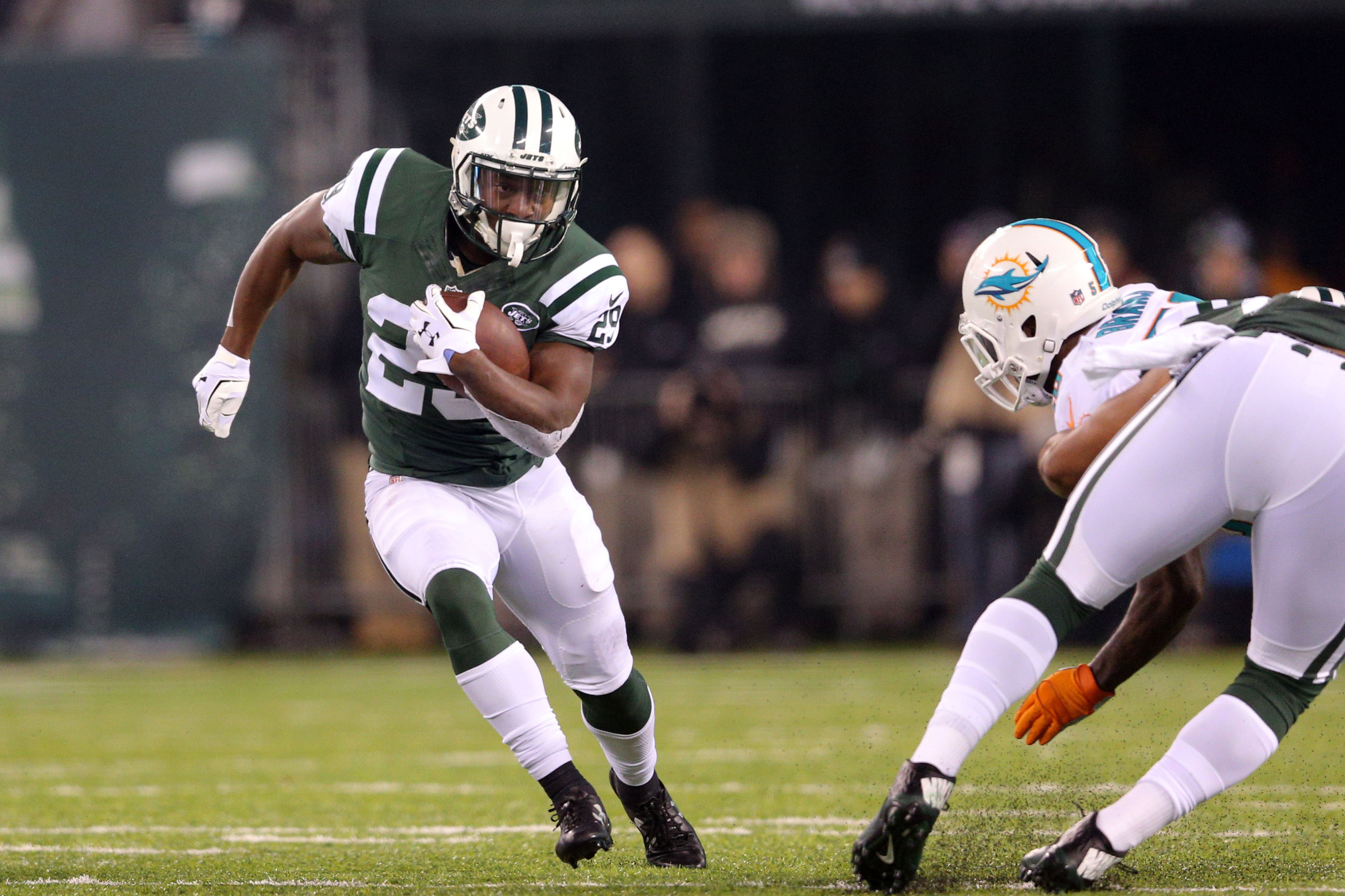 9752847-nfl-miami-dolphins-at-new-york-jets